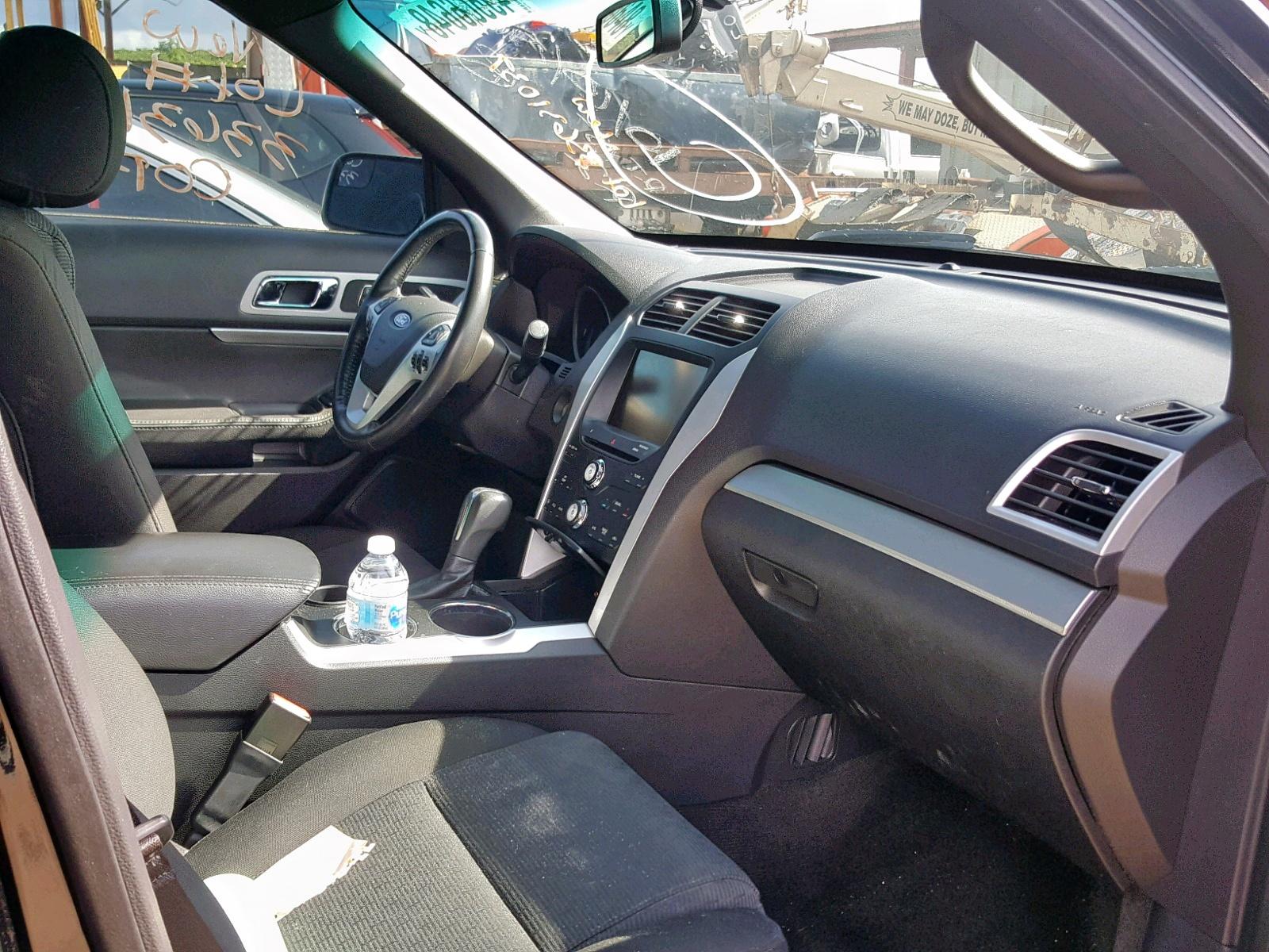 1FMHK7D85CGA54259 - 2012 Ford Explorer X 3.5L close up View