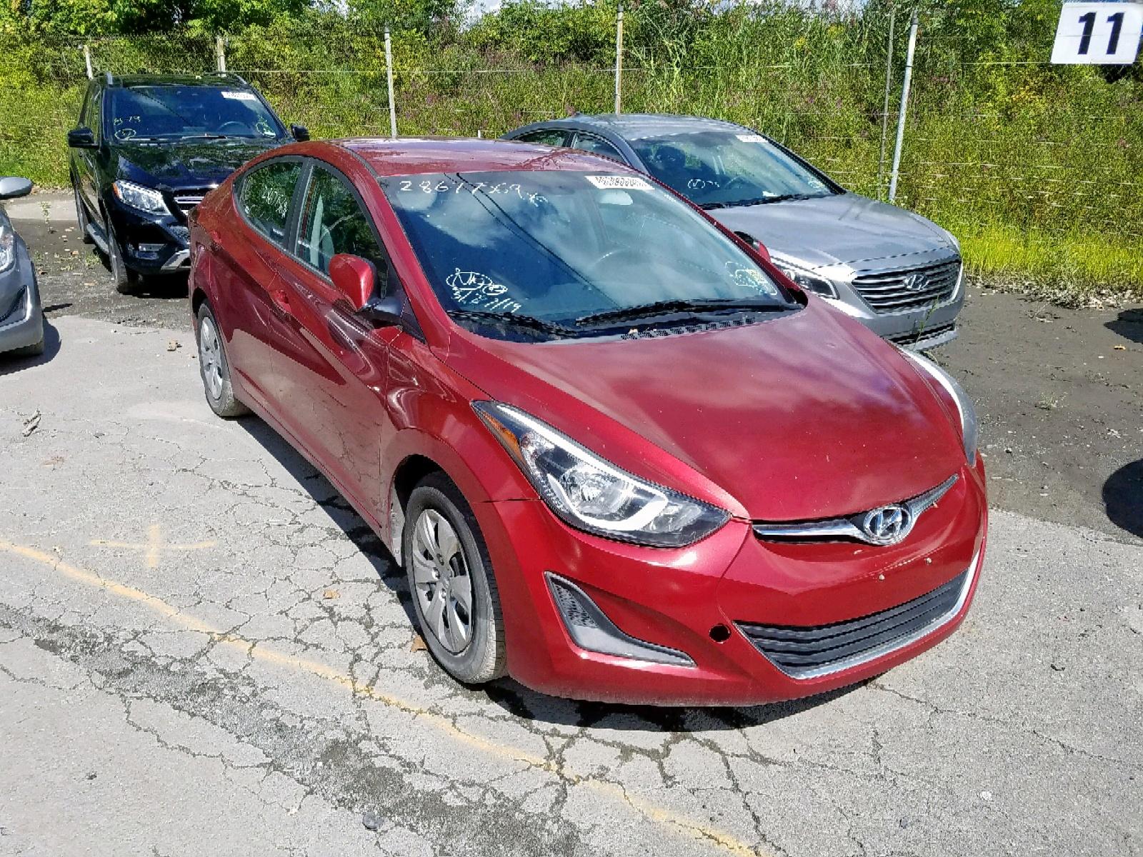 5NPDH4AE7GH679032 - 2016 Hyundai Elantra Se 1.8L Left View