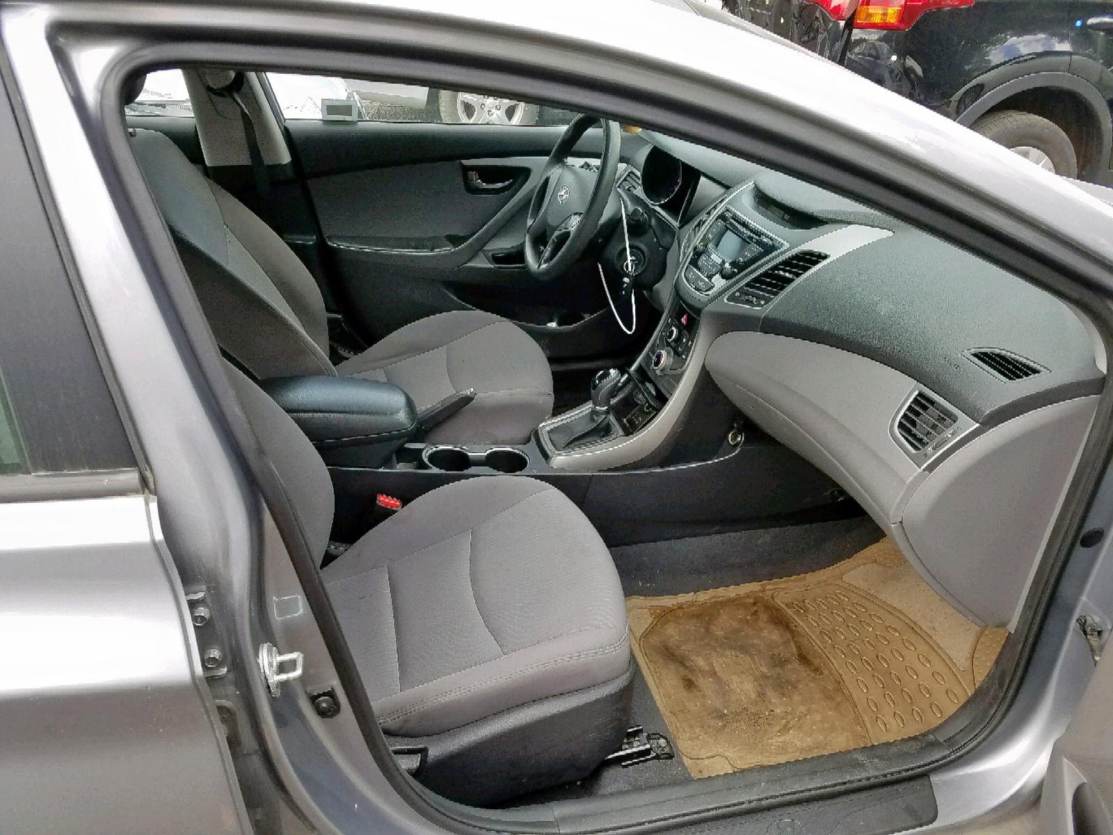 5NPDH4AEXGH714940 - 2016 Hyundai Elantra Se 1.8L close up View