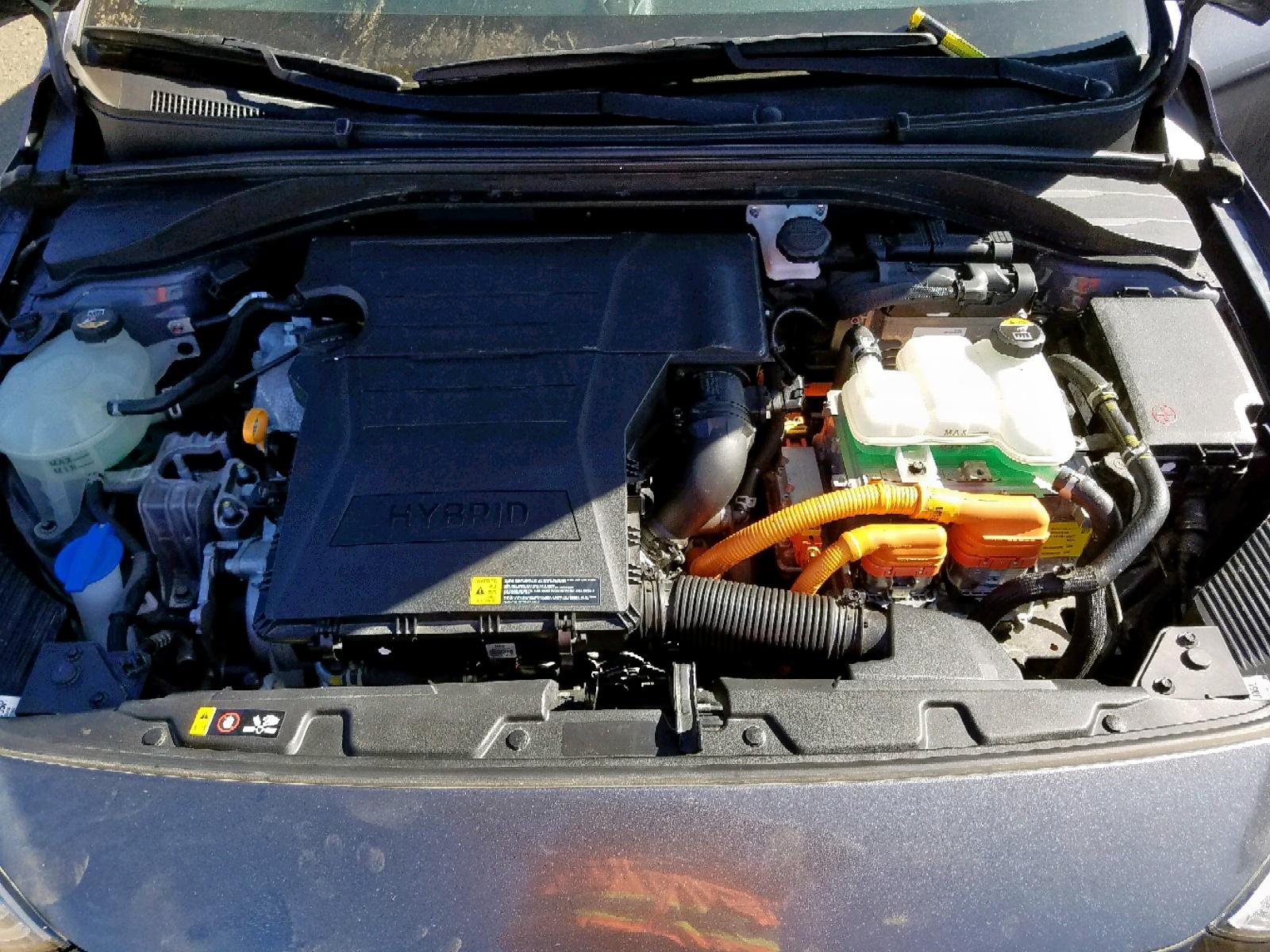 KMHC75LC2HU028247 - 2017 Hyundai Ioniq Sel 1.6L inside view