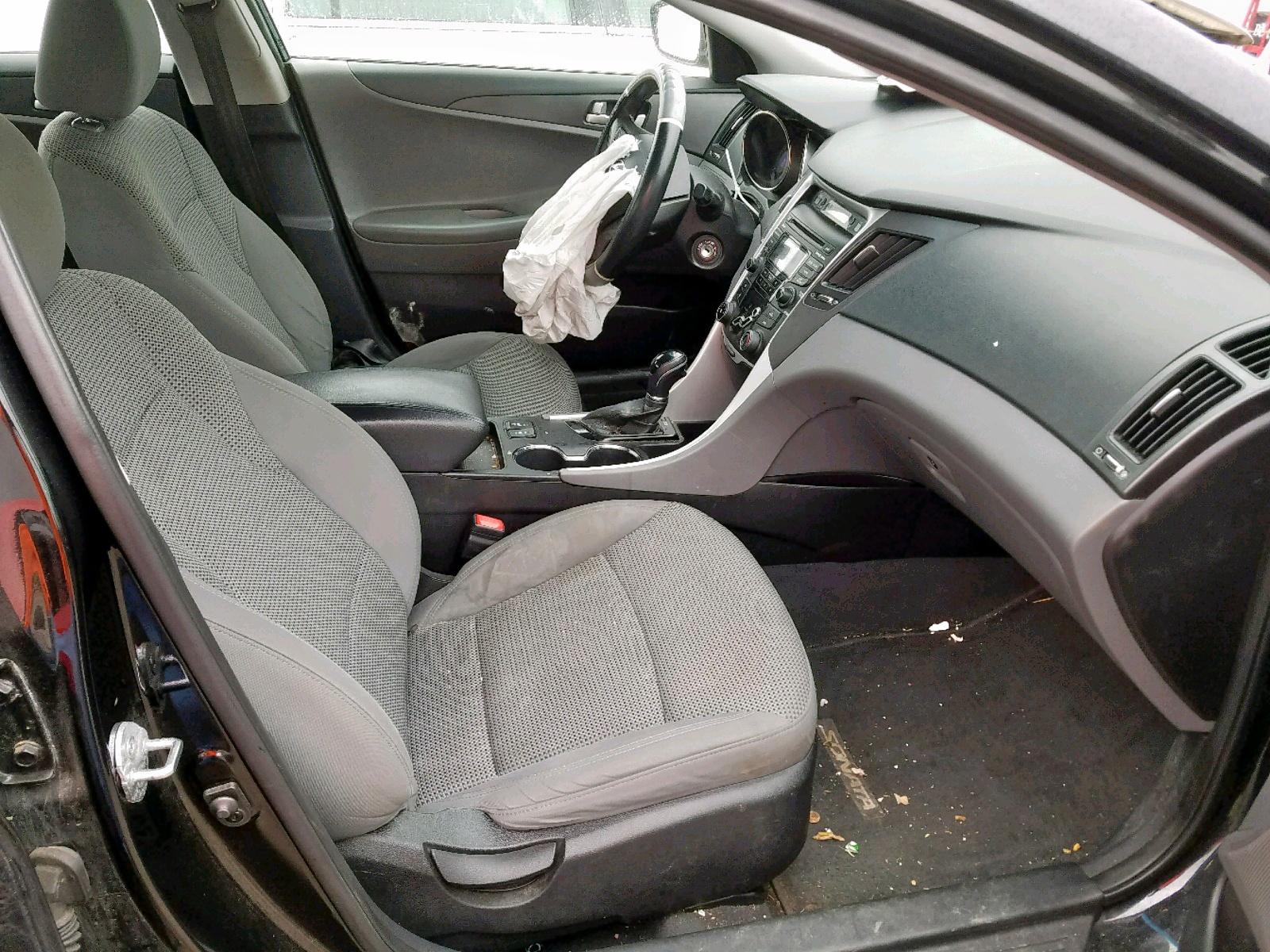 2013 Hyundai Sonata Gls 2.4L close up View