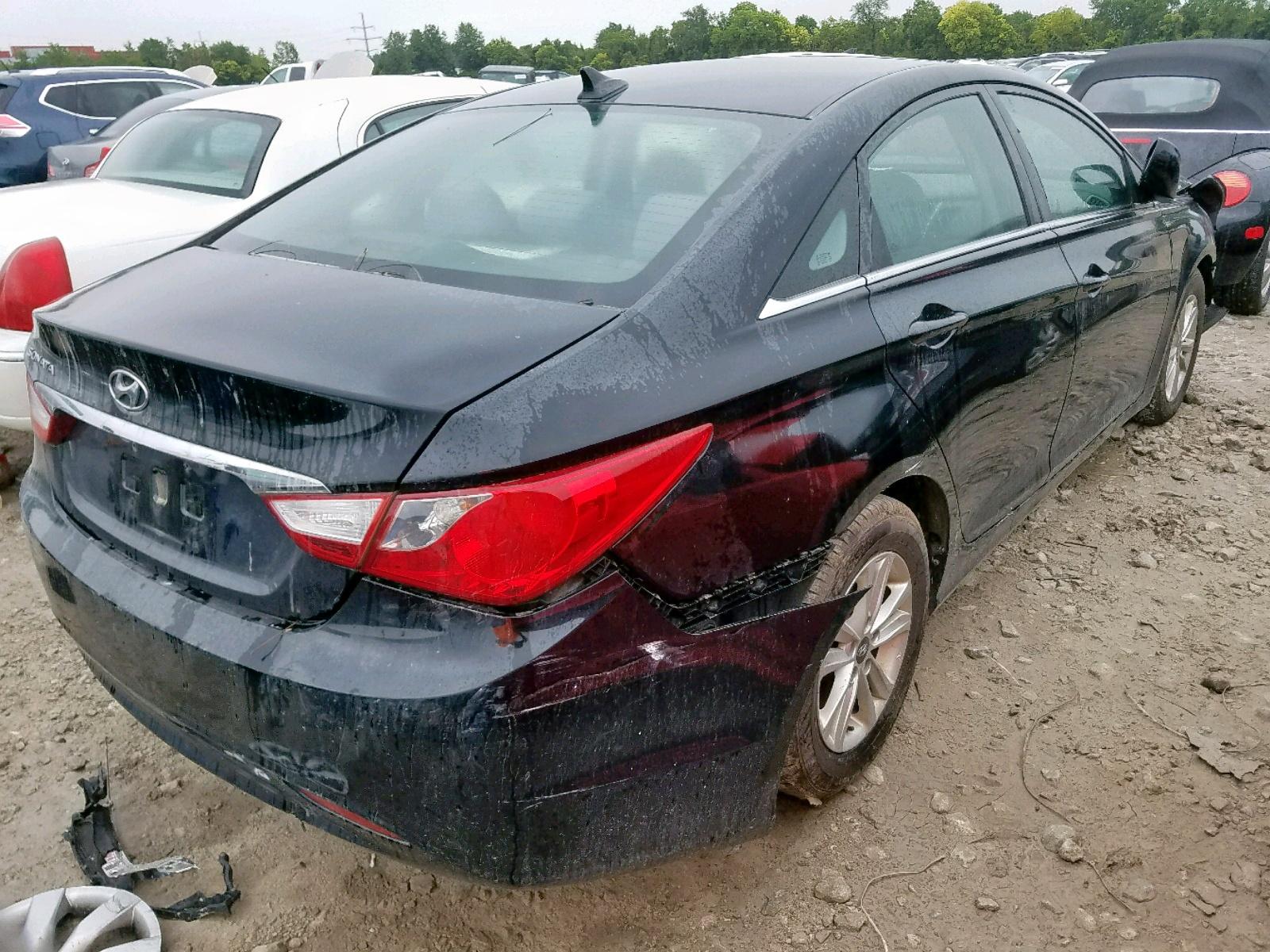 2013 Hyundai Sonata Gls 2.4L rear view