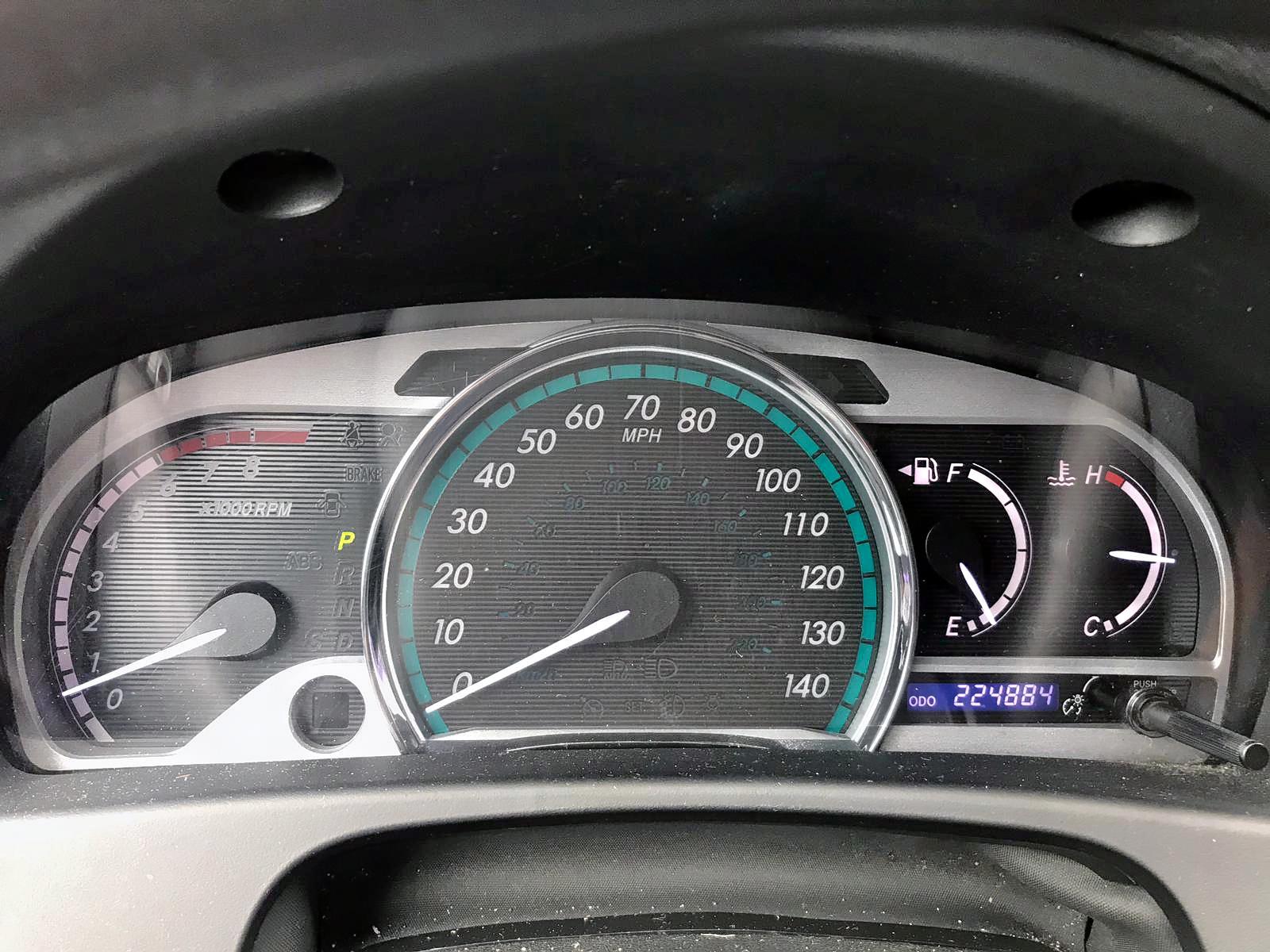 2013 Toyota Venza Le 2.7L front view