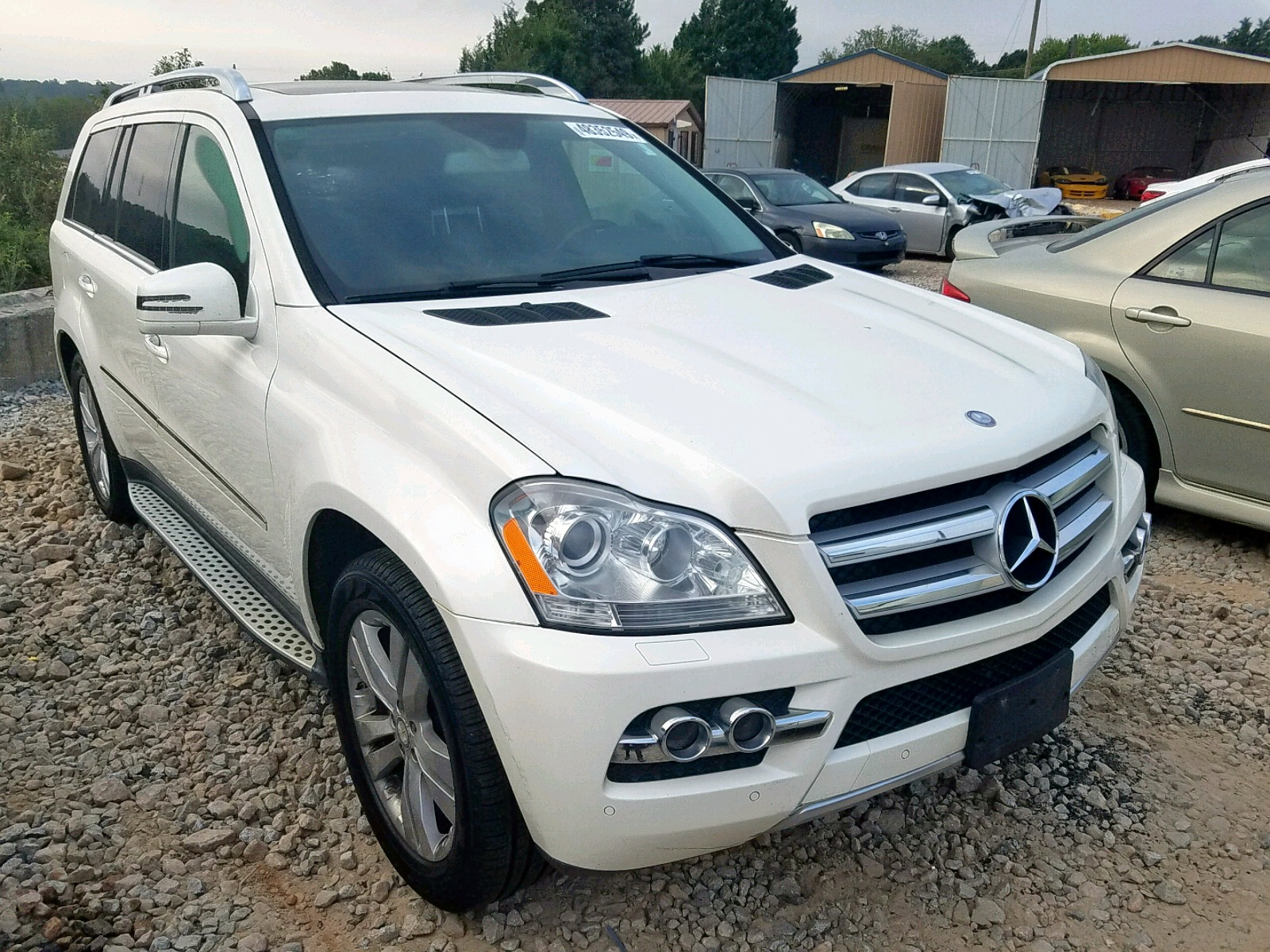 4JGBF7BE3BA653293 - 2011 Mercedes-Benz Gl 450 4Ma 4.6L Left View
