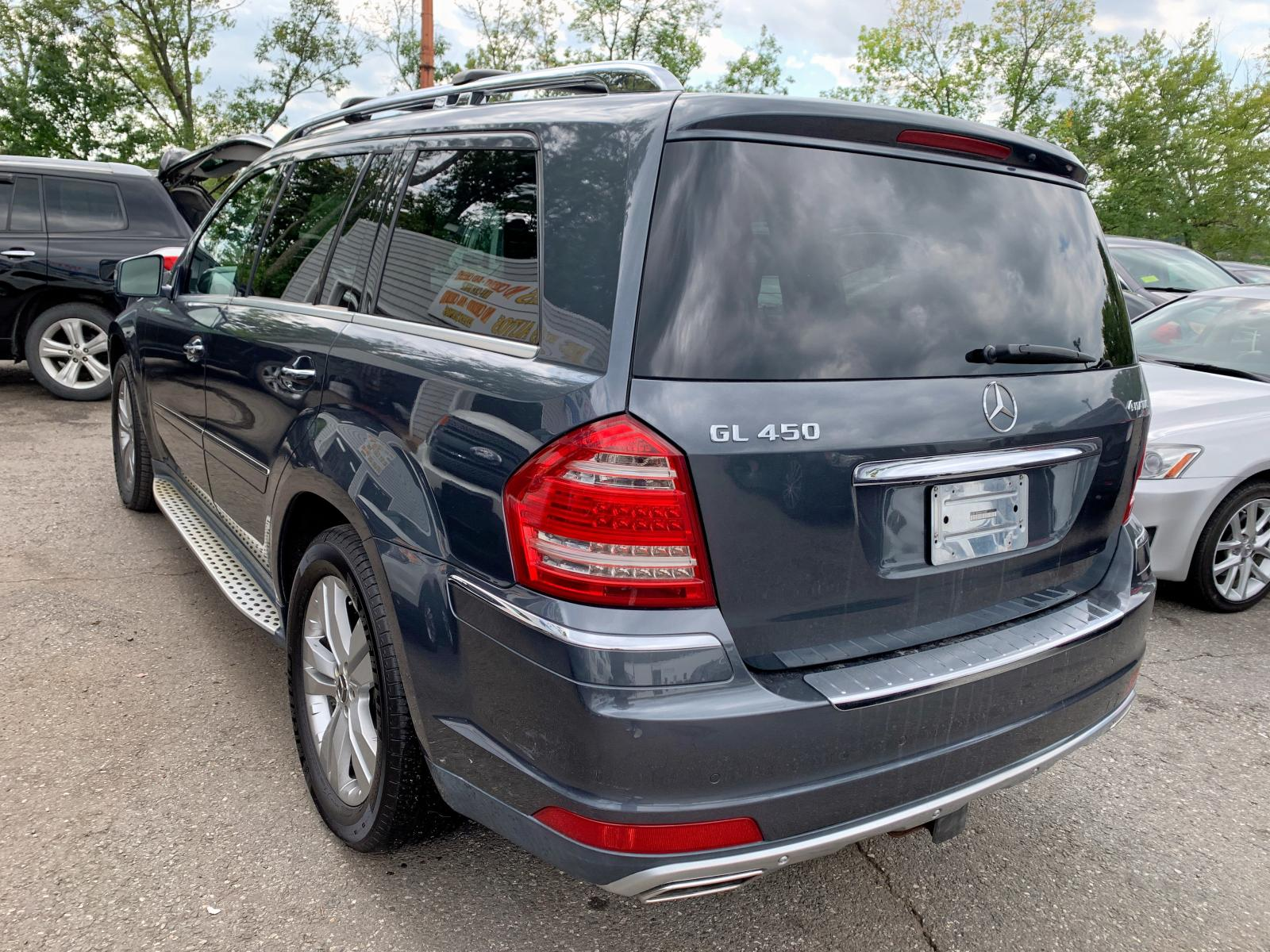 4JGBF7BE0BA624687 - 2011 Mercedes-Benz Gl 450 4Ma 4.6L rear view