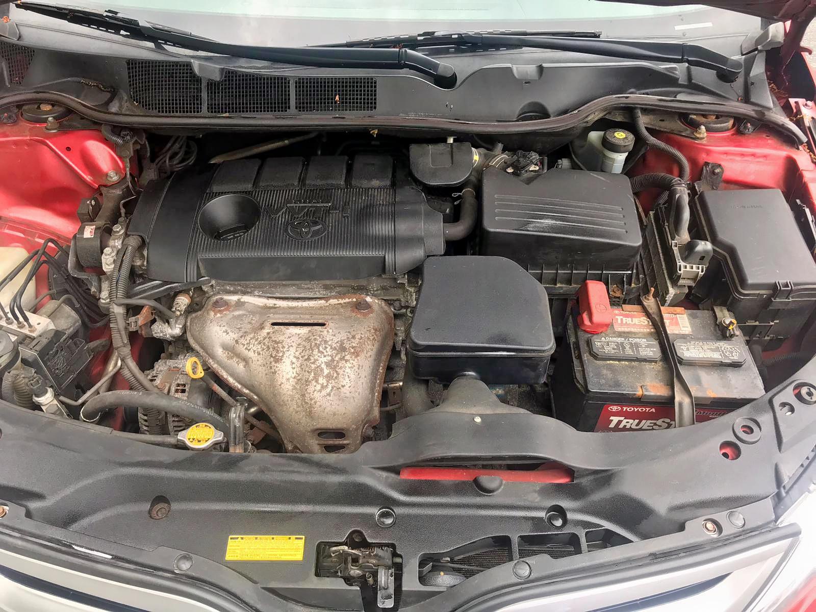 2013 Toyota Venza Le 2.7L inside view