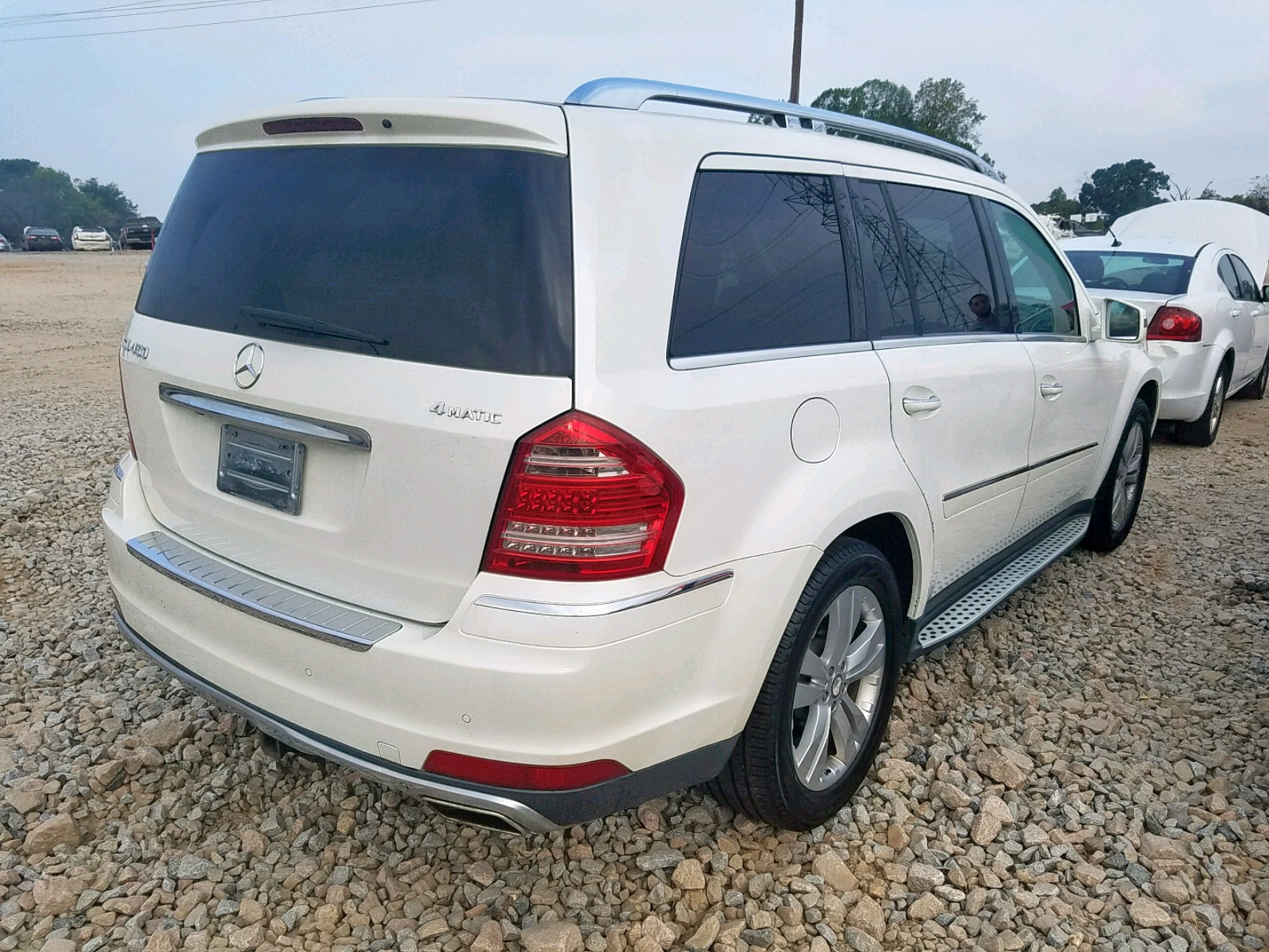 4JGBF7BE3BA653293 - 2011 Mercedes-Benz Gl 450 4Ma 4.6L rear view