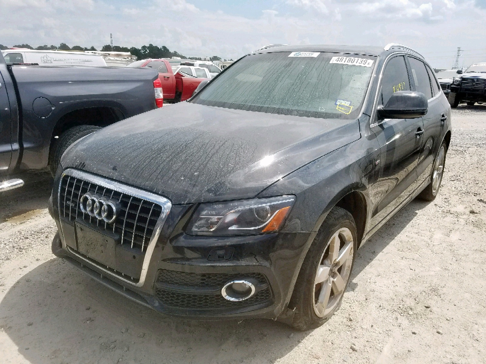 WA1DKAFP5CA135845 - 2012 Audi Q5 Premium 3.2L Right View