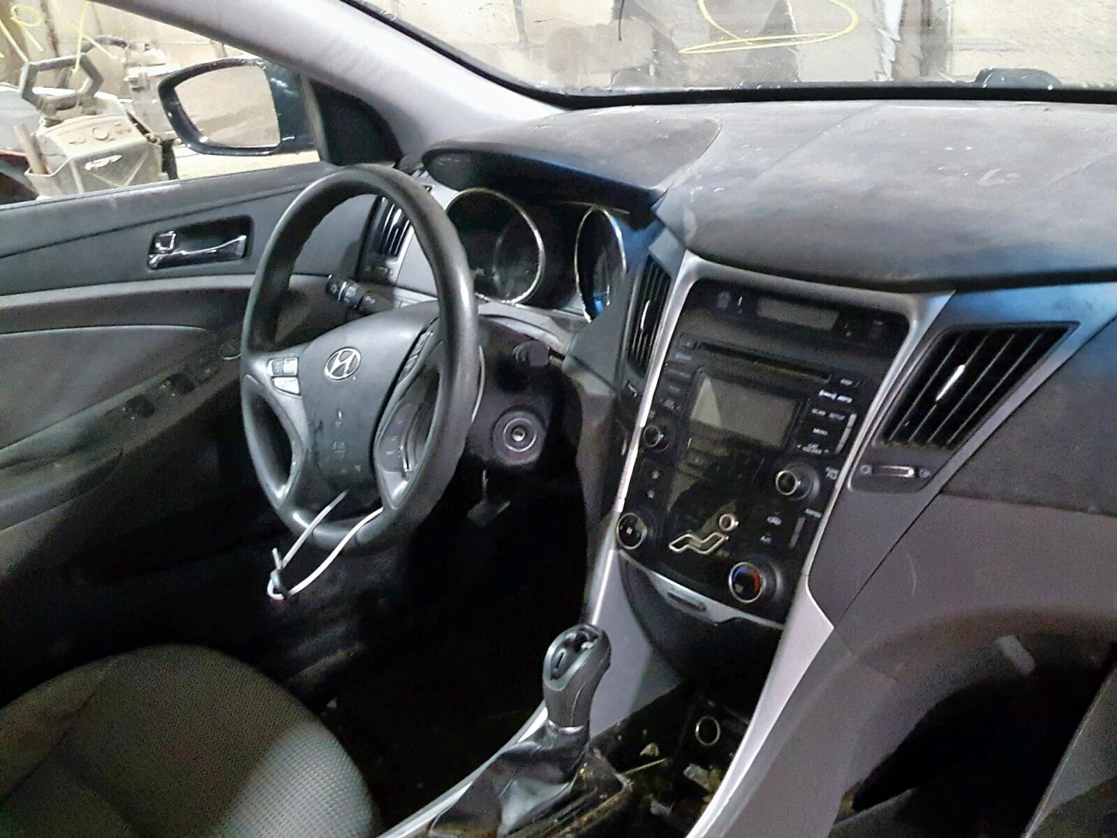 2013 Hyundai Sonata Gls 2.4L engine view