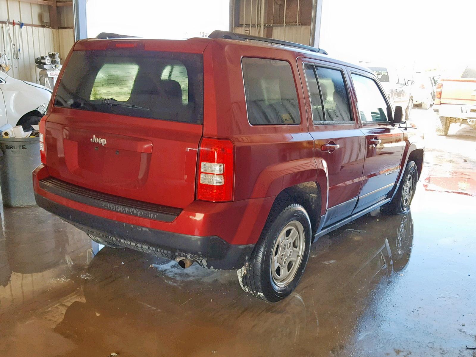1C4NJPBA8DD272697 - 2013 Jeep Patriot Sp 2.0L rear view