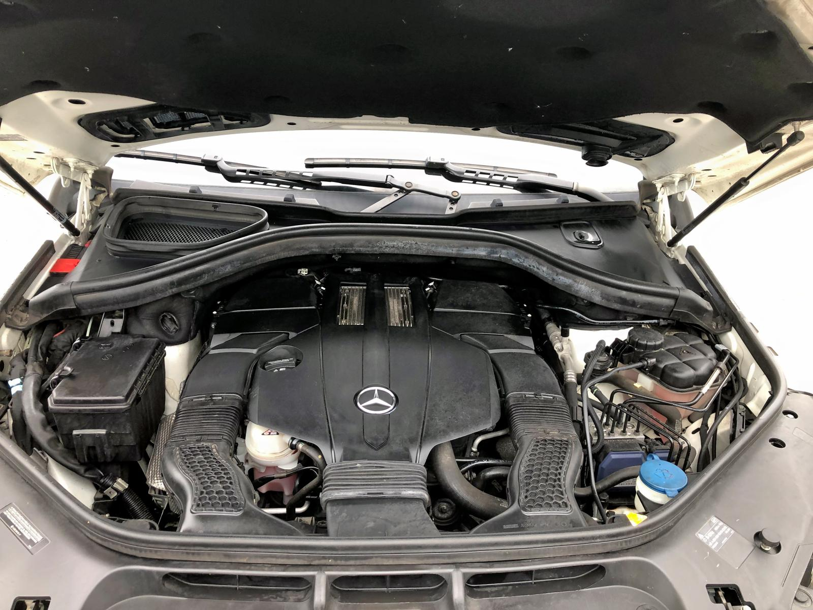 4JGDF6EE7FA492290 - 2015 Mercedes-Benz Gl 450 4Ma 3.0L front view