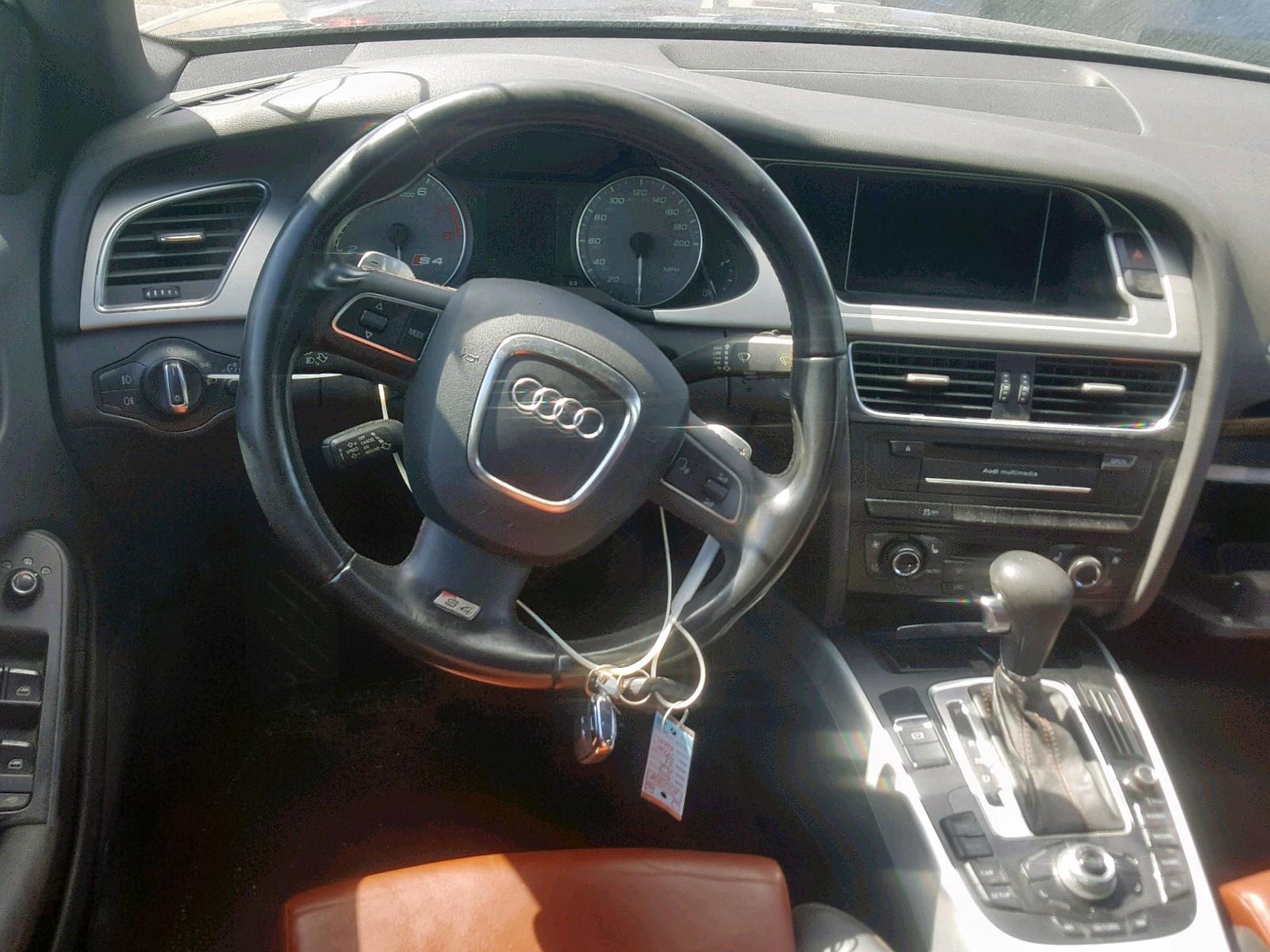 WAUBGAFL2BA031403 - 2011 Audi S4 Premium 3.0L engine view