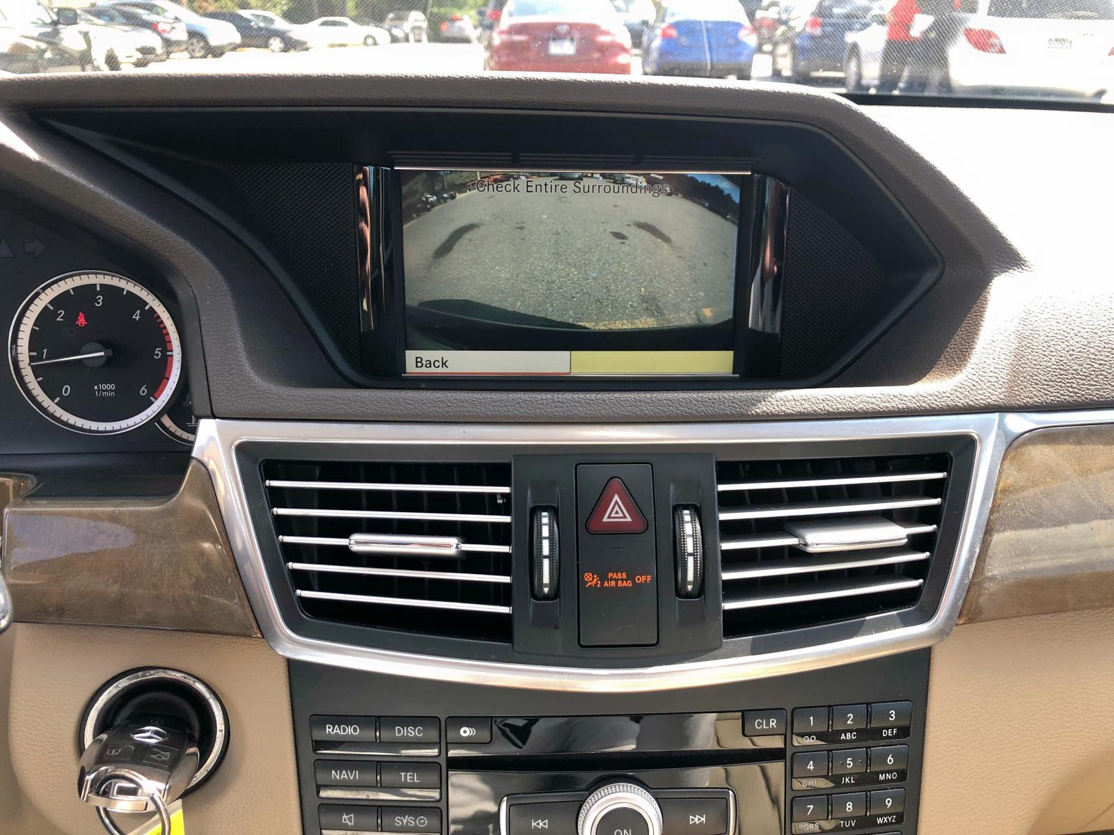 WDDHF2EBXBA320033 - 2011 Mercedes-Benz E 350 Blue 3.0L