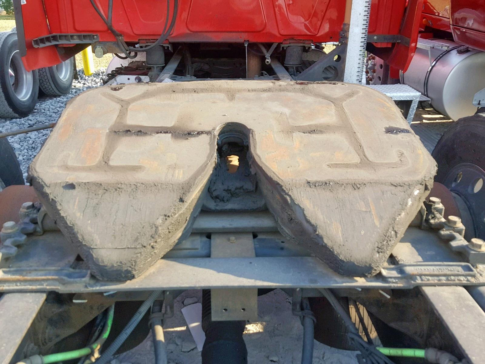 2010 International Prostar Pr 14.9L engine view