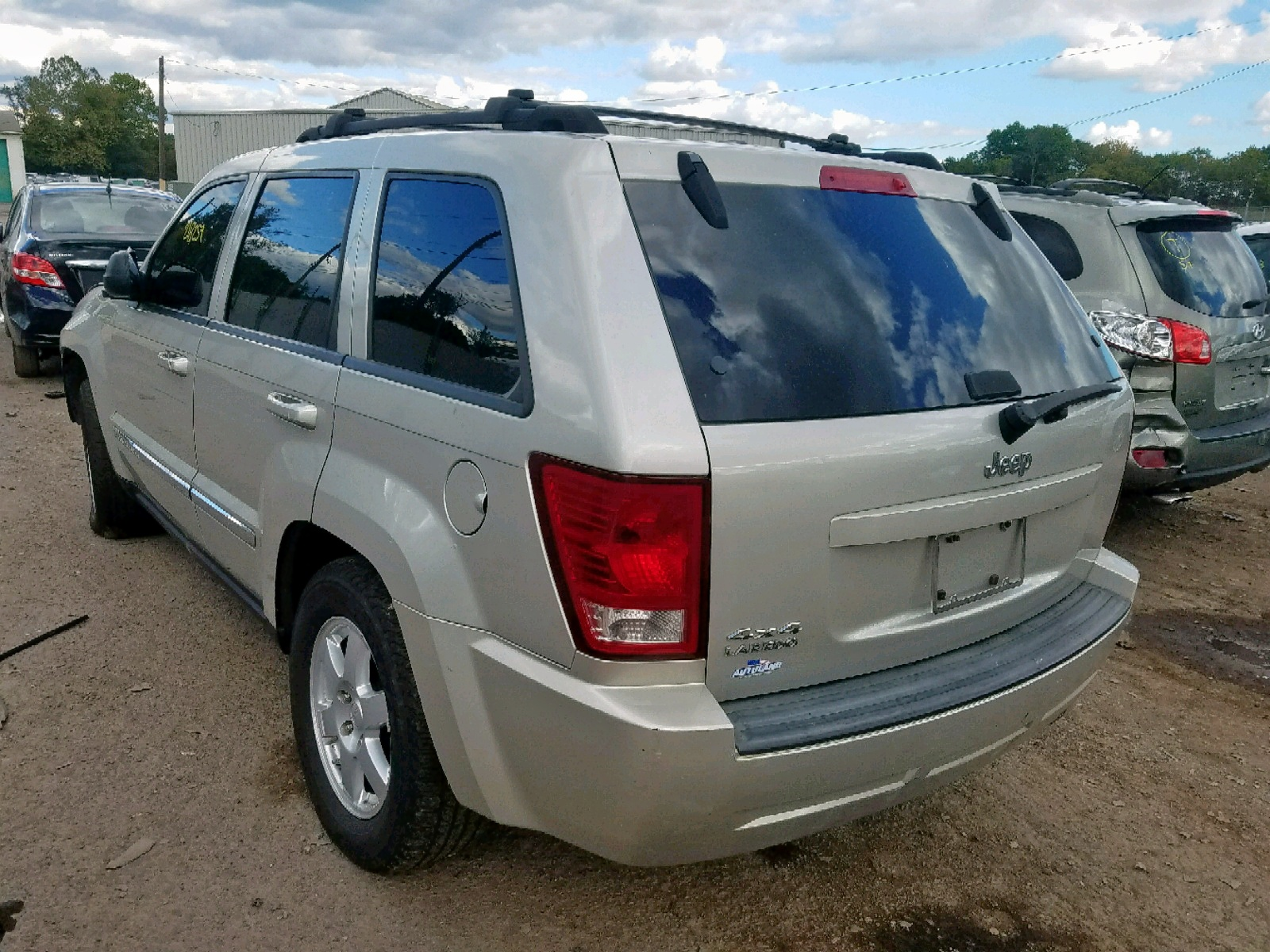 2010 Jeep Grand Cher 3.7L [Angle] View