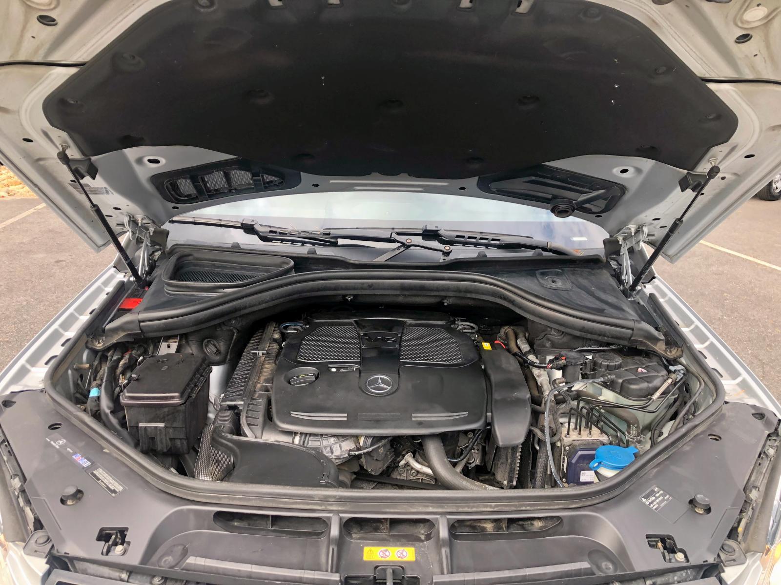 4JGDA5HB3CA031545 - 2012 Mercedes-Benz Ml 350 4Ma 3.5L inside view
