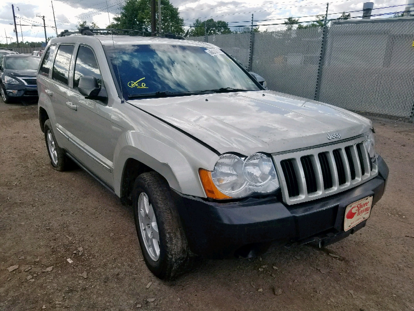2010 Jeep Grand Cher 3.7L Left View
