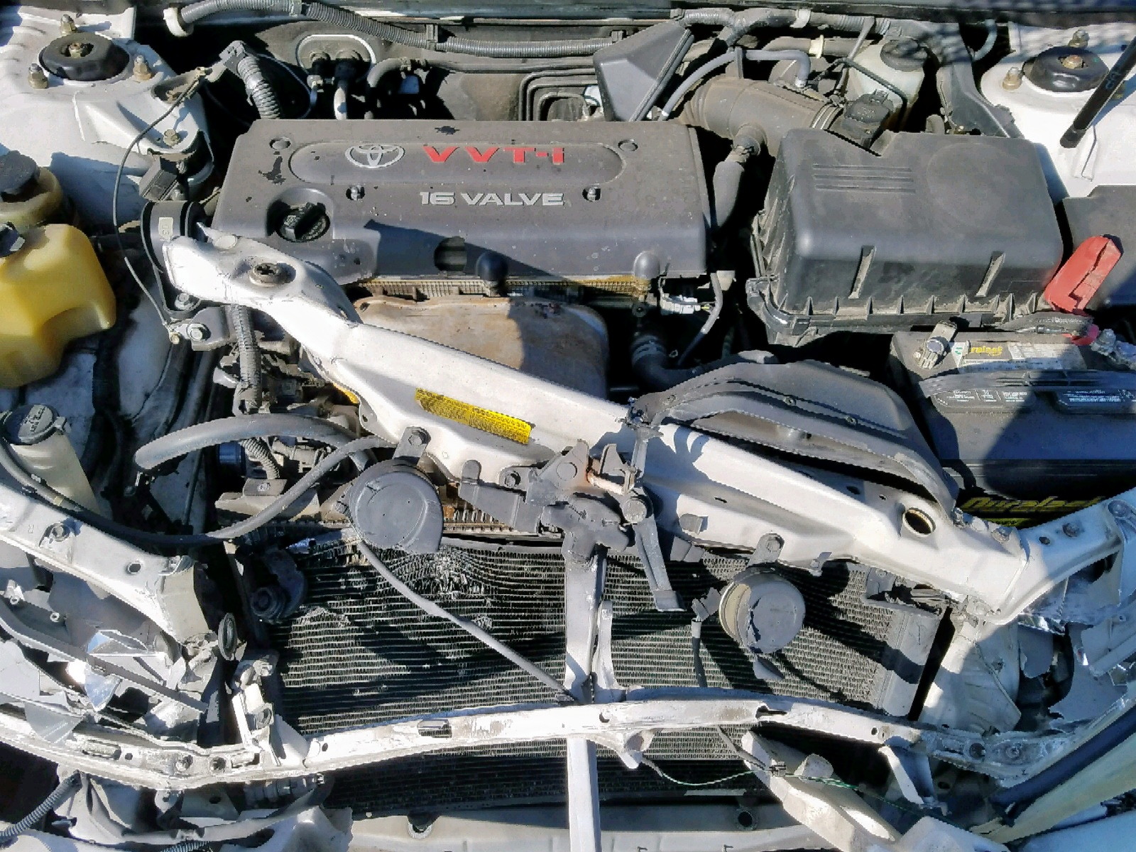 JTDBE32K520060336 - 2002 Toyota Camry Le 2.4L inside view