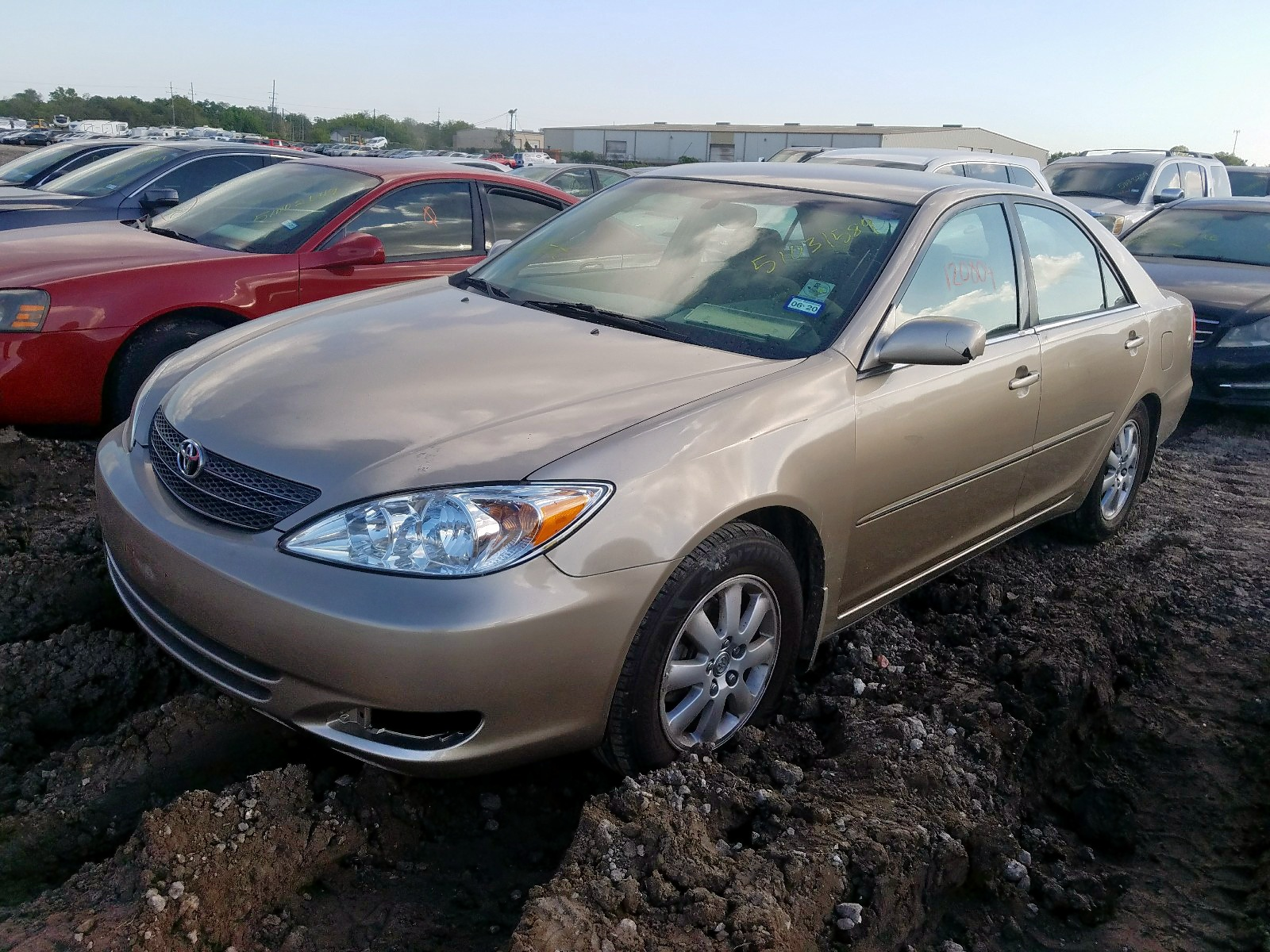 2002 Toyota Camry Le 2.4L Right View