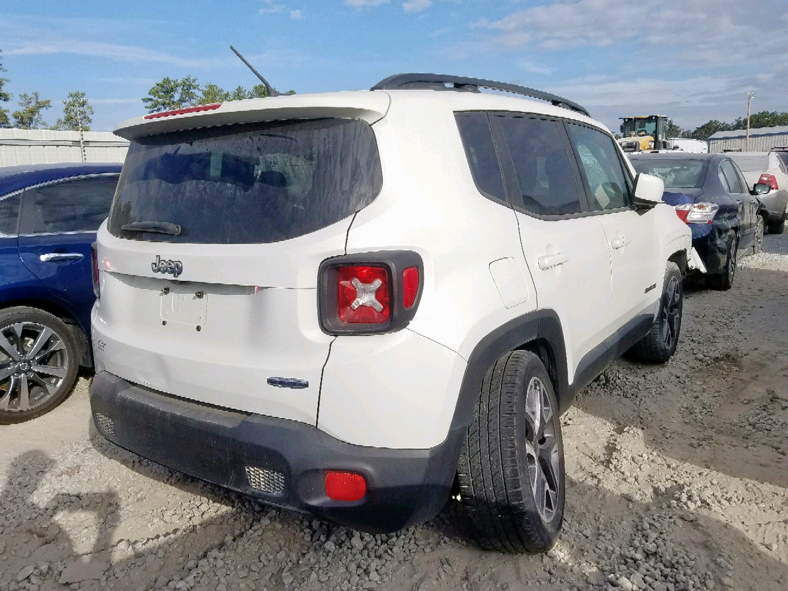 ZACCJABT0FPB69150 - 2015 Jeep Renegade L 2.4L rear view