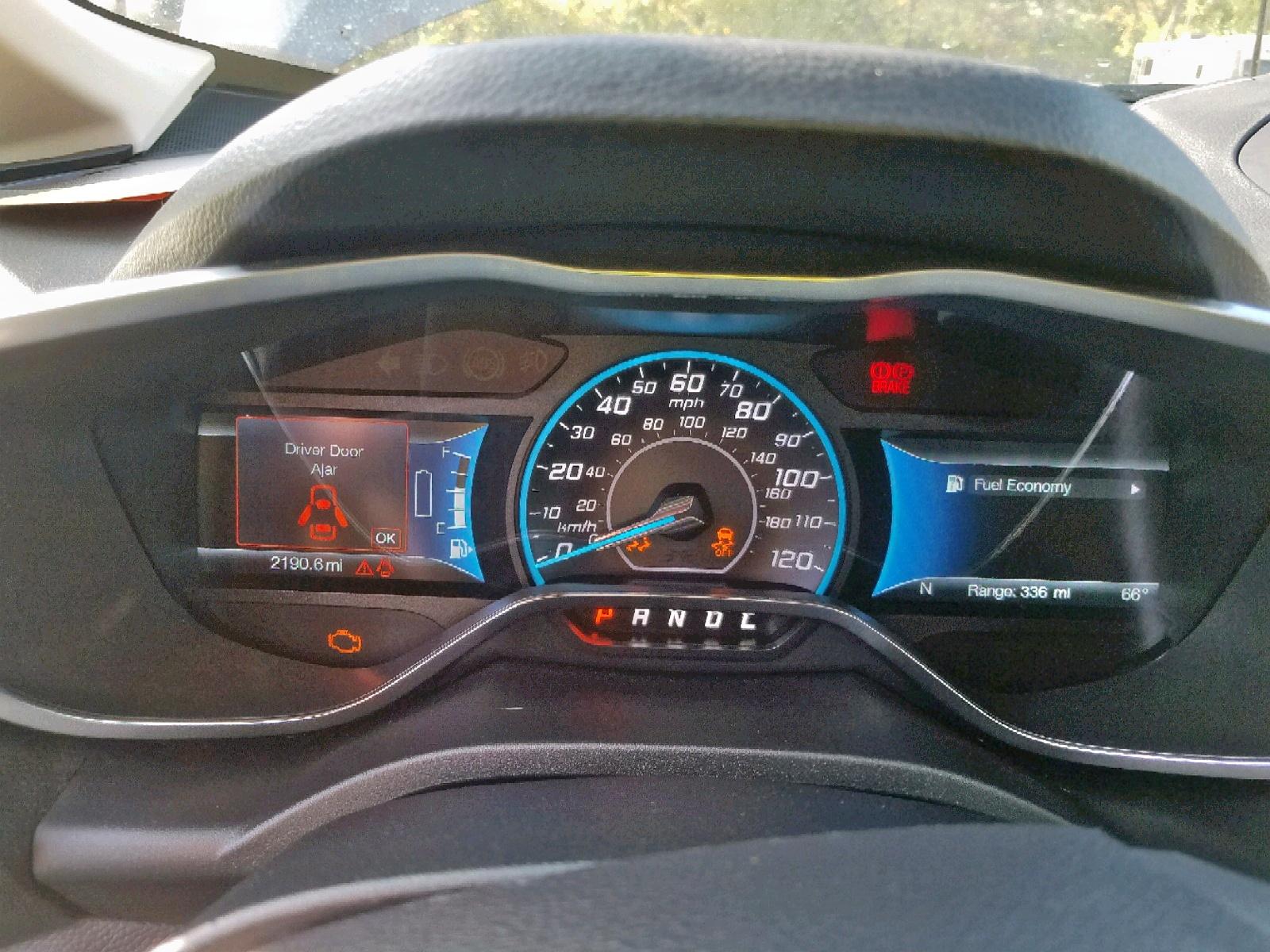 1FADP5AU3JL104855 - 2018 Ford C-Max Se 2.0L front view