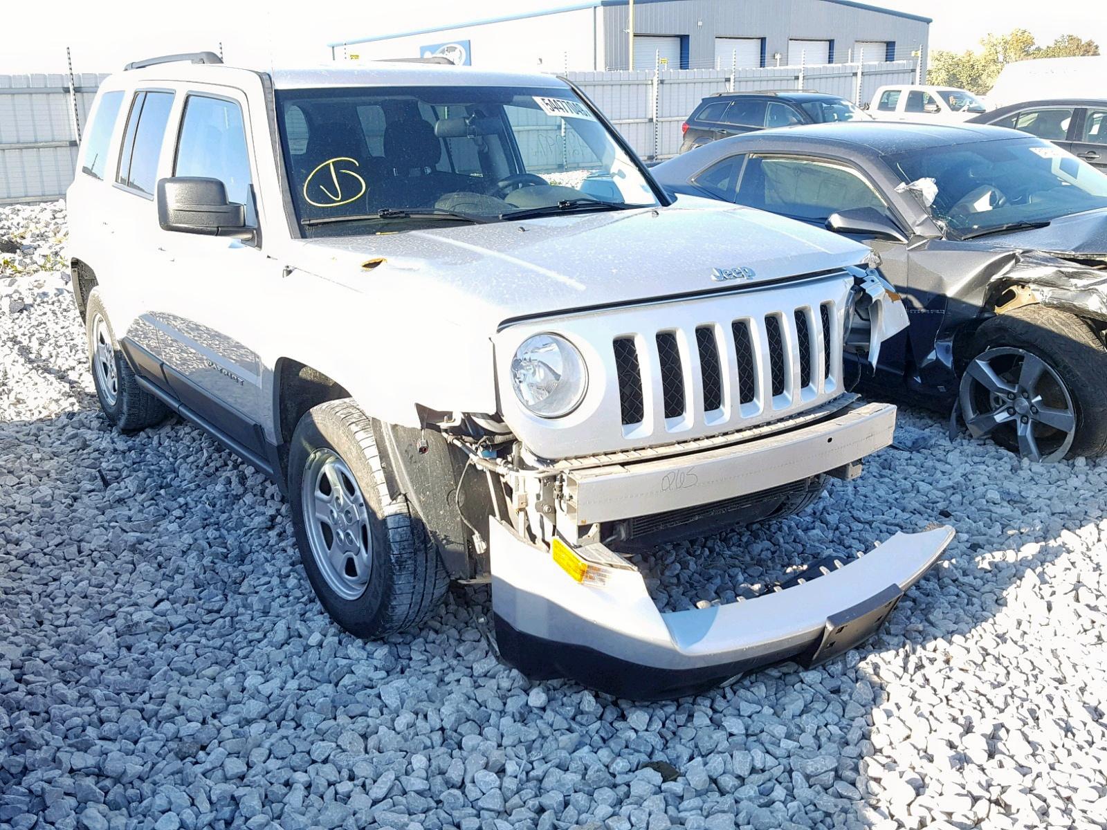 1C4NJPBA5DD272382 - 2013 Jeep Patriot Sp 2.0L Left View