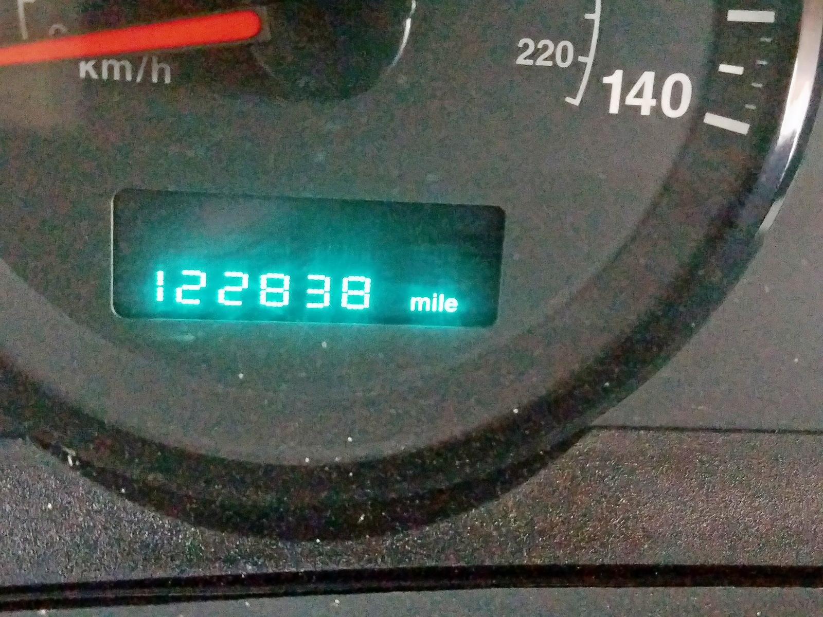 1J4GS48KX6C112697 - 2006 Jeep Grand Cher 3.7L front view