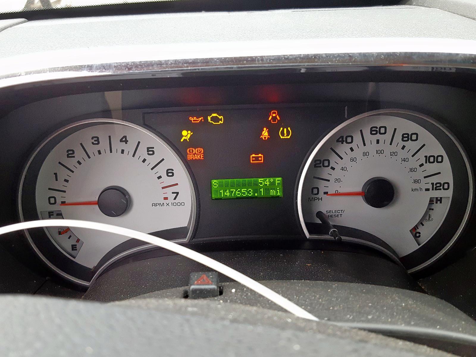 1FMEU31818UA30611 - 2008 Ford Explorer S 4.6L front view