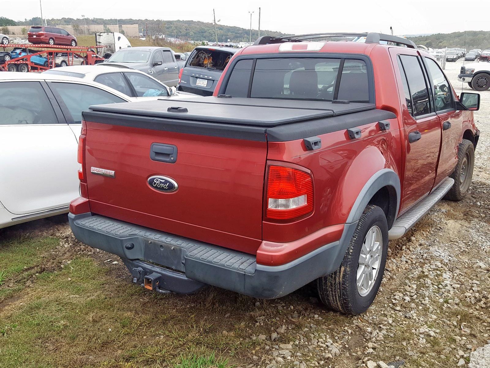 1FMEU31818UA30611 - 2008 Ford Explorer S 4.6L rear view