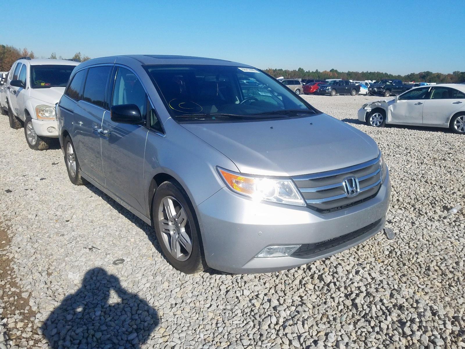 2013 Honda Odyssey To 3.5L Left View