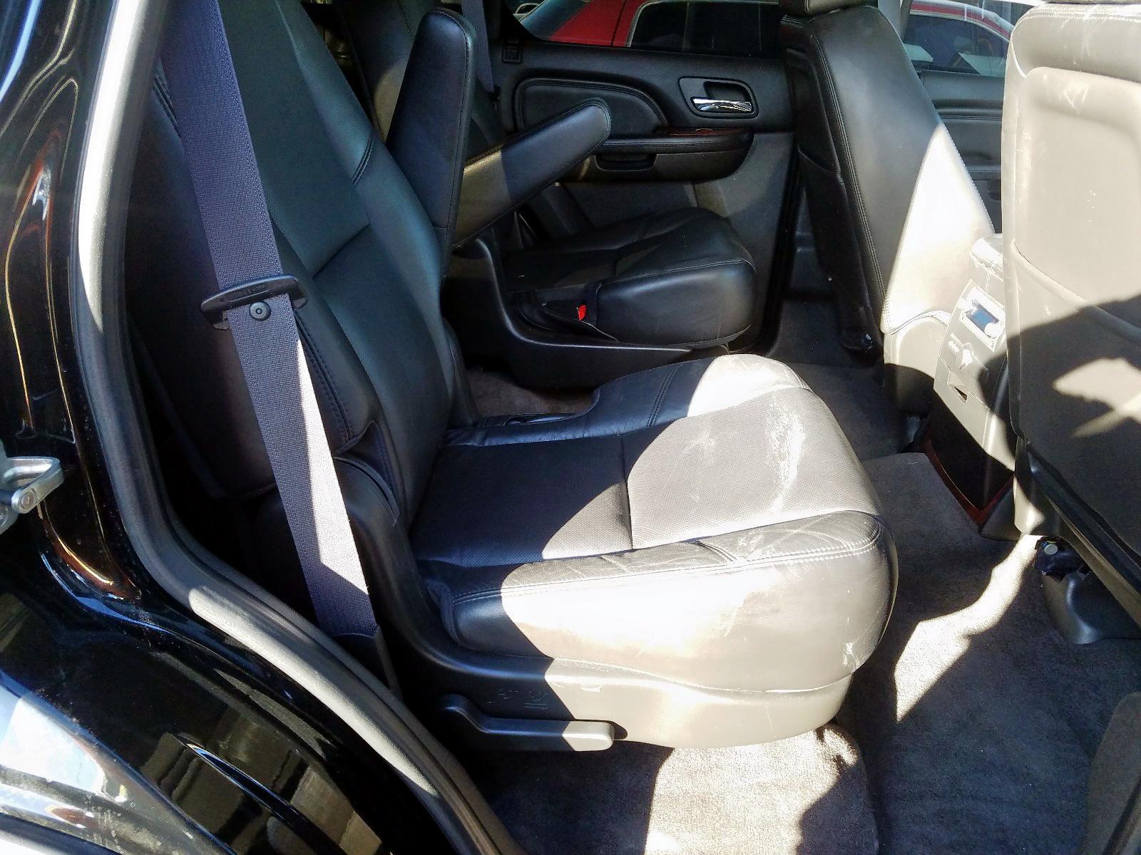 1GYS4AEF0BR132555 - 2011 Cadillac Escalade 6.2L detail view