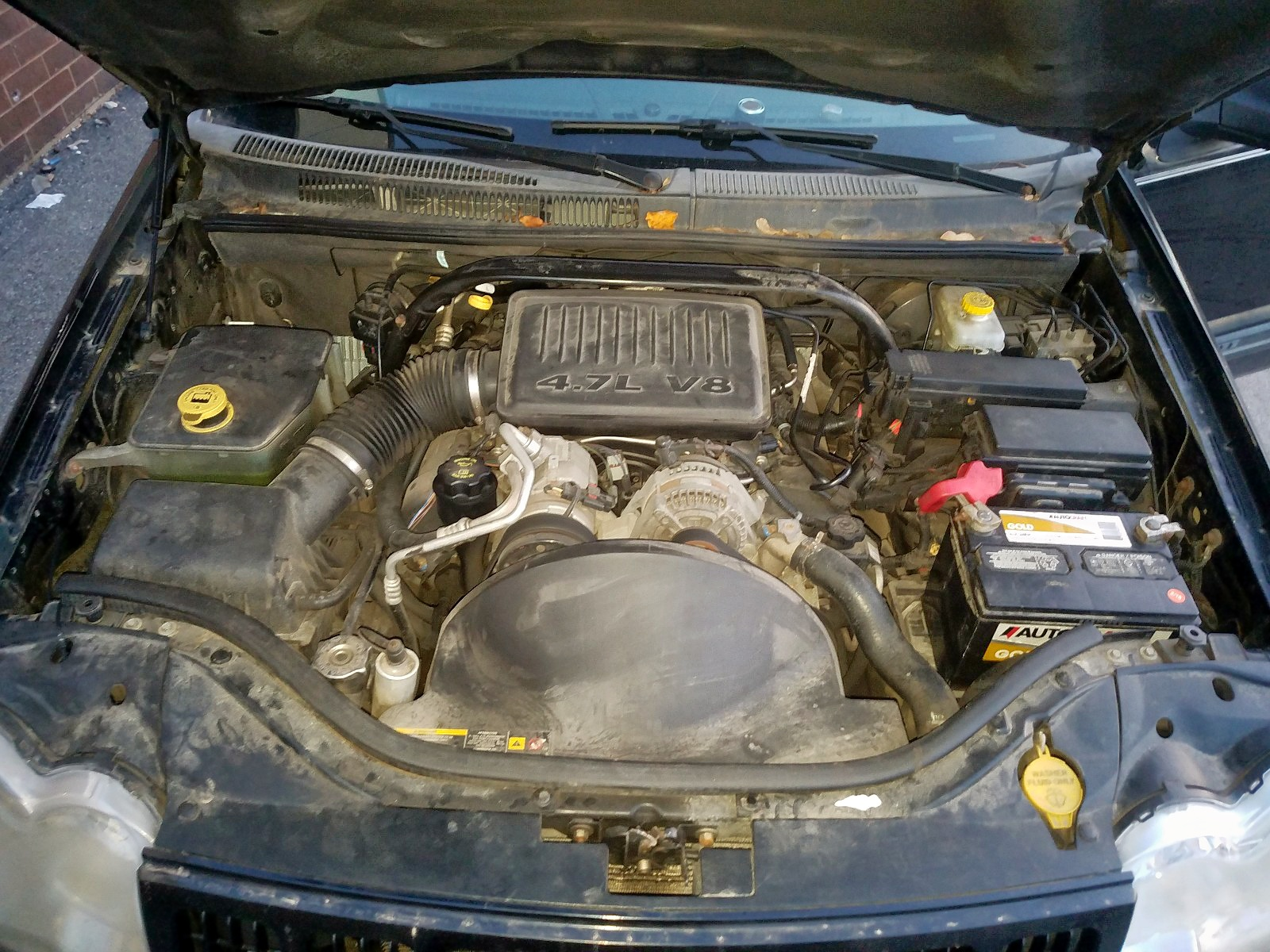 1J4HR48NX6C118722 - 2006 Jeep Grand Cher 4.7L inside view