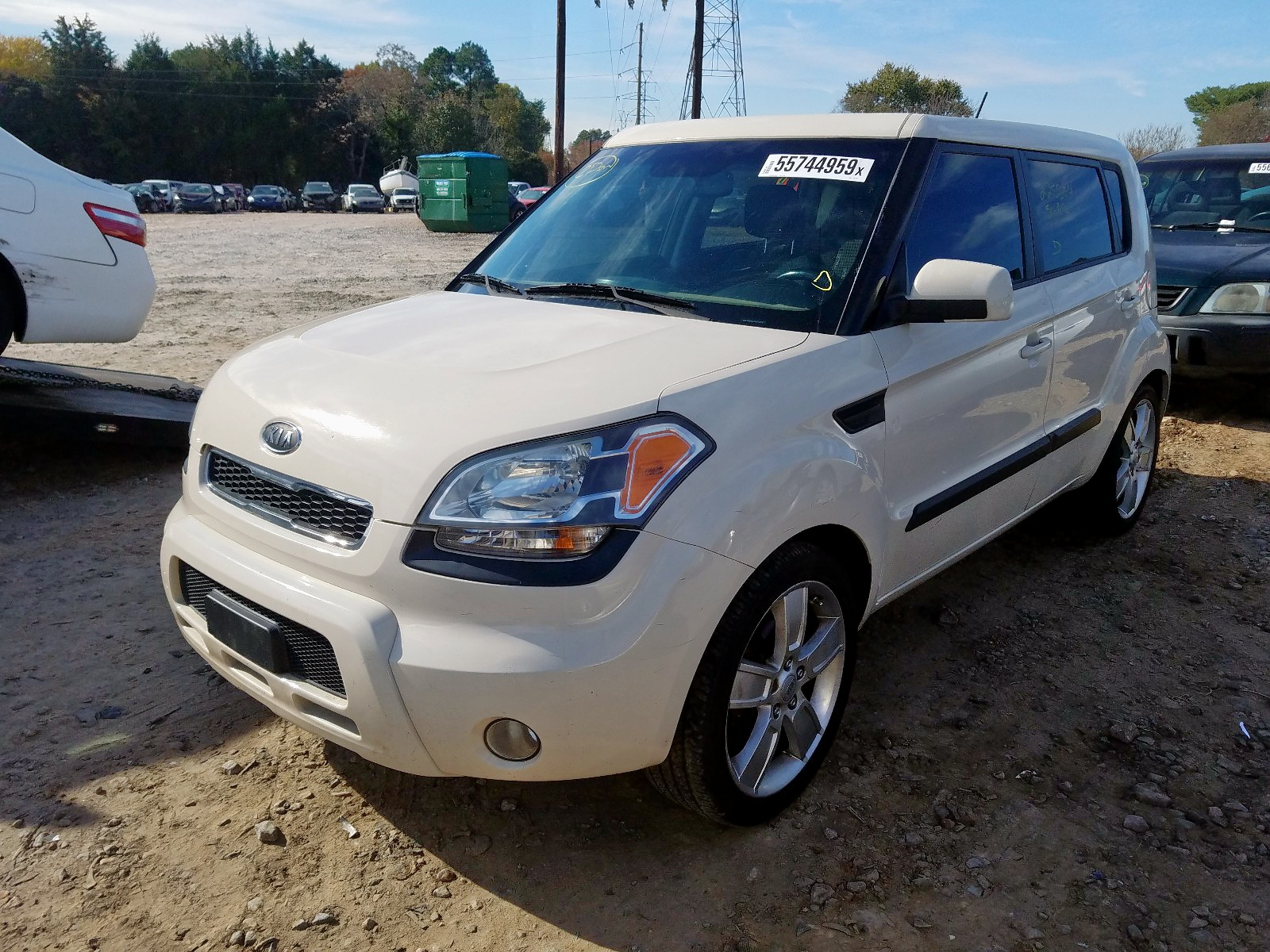 2011 Kia Soul + 2.0L Right View