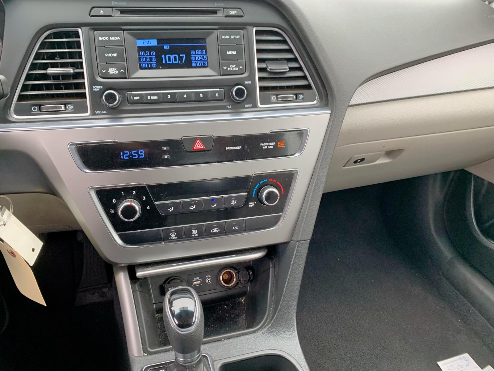 5NPE24AF8FH201473 - 2015 Hyundai Sonata Se 2.4L front view