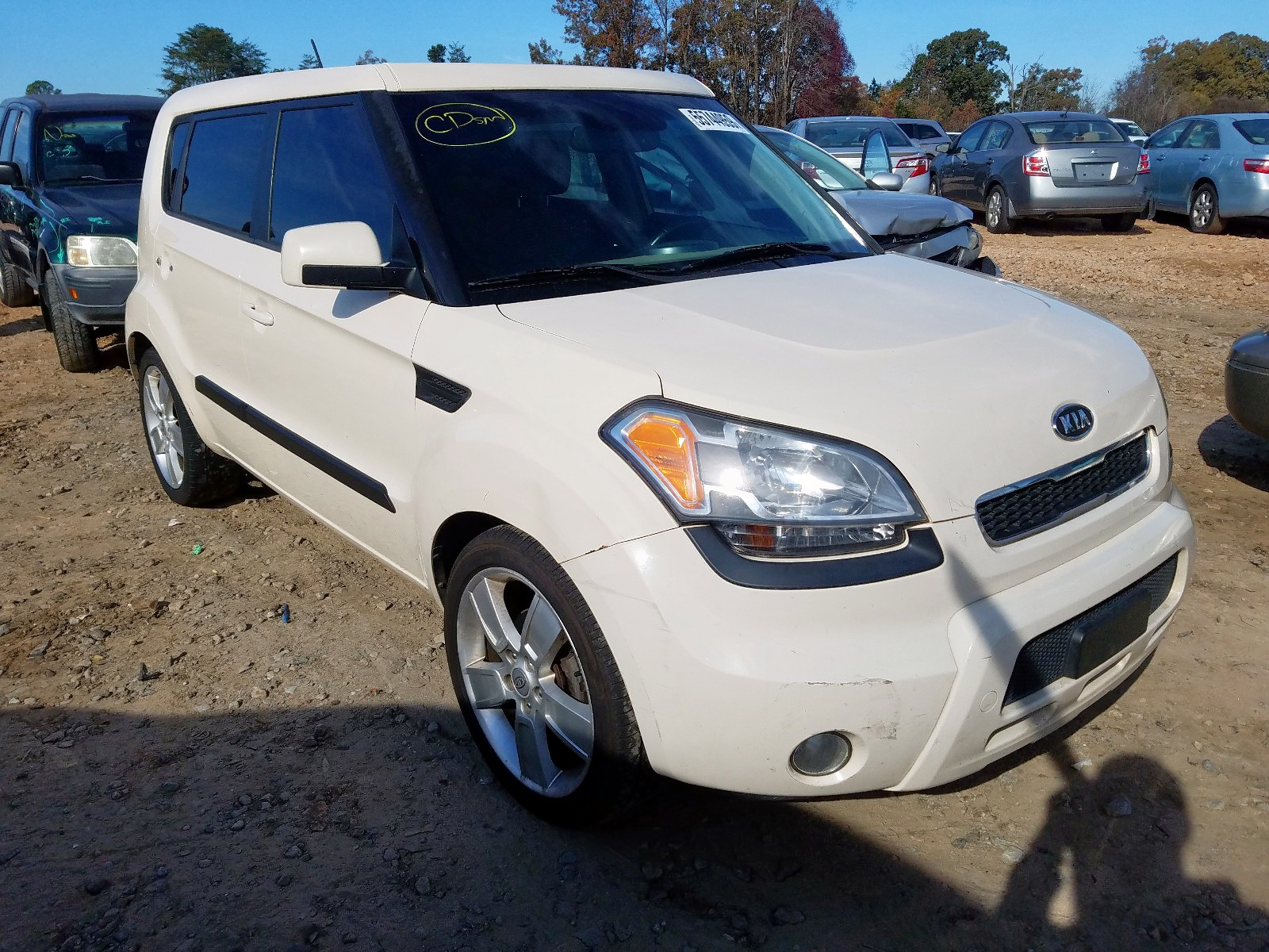 2011 Kia Soul + 2.0L Left View
