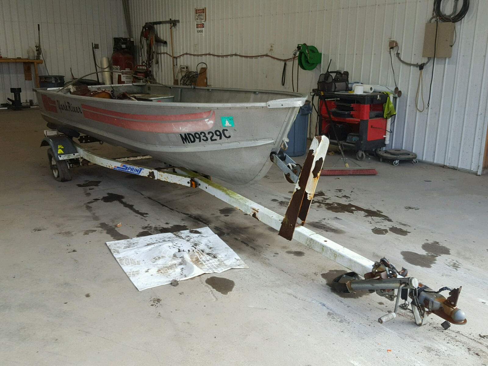 Salvage 1988 Boat MARINE TRAILER for sale
