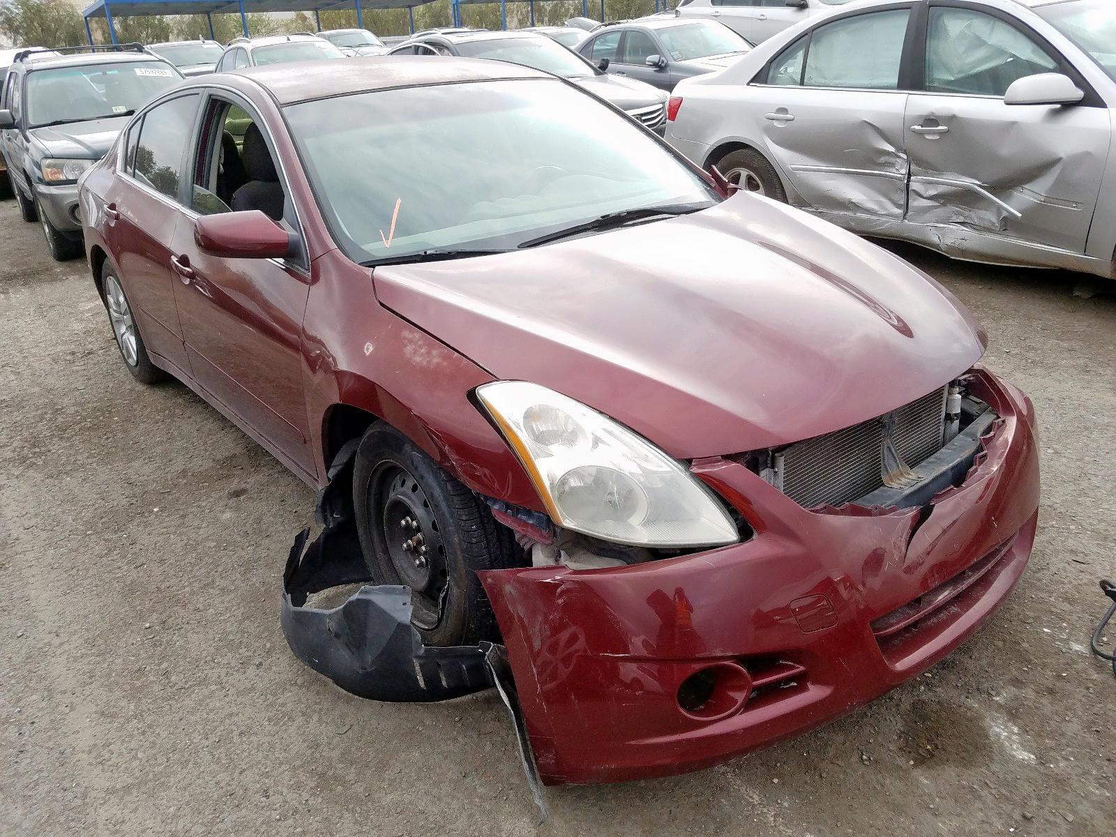 2010 Nissan Altima Bas 2.5L Left View