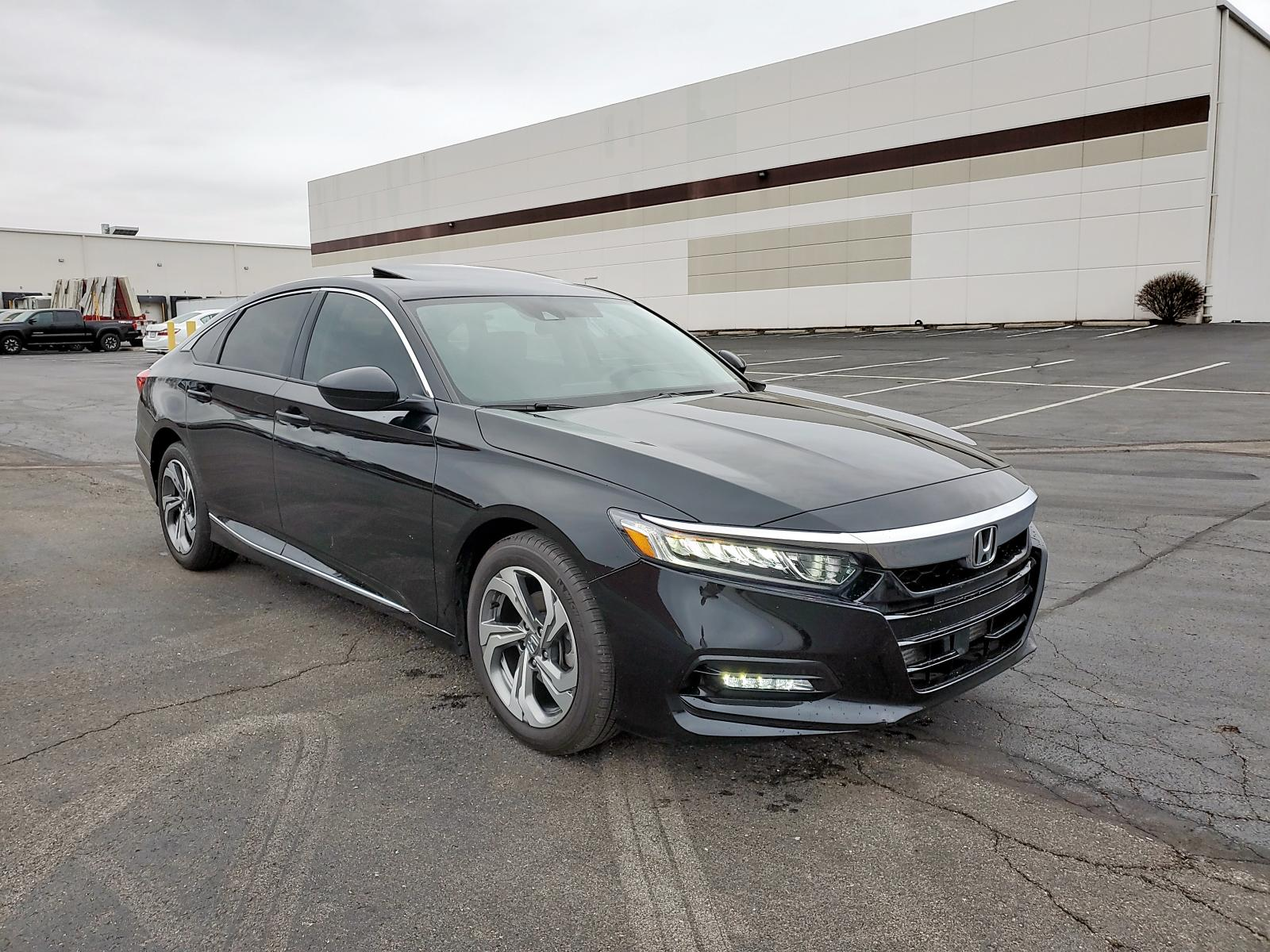 1HGCV1F46JA076138 - 2018 Honda Accord Ex 1.5L Left View