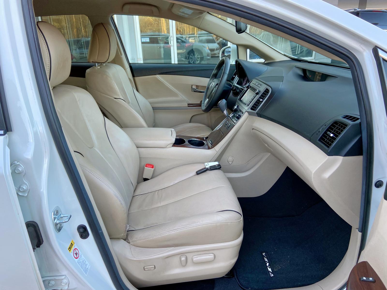 4T3BA3BB5DU037164 - 2013 Toyota Venza Le 2.7L