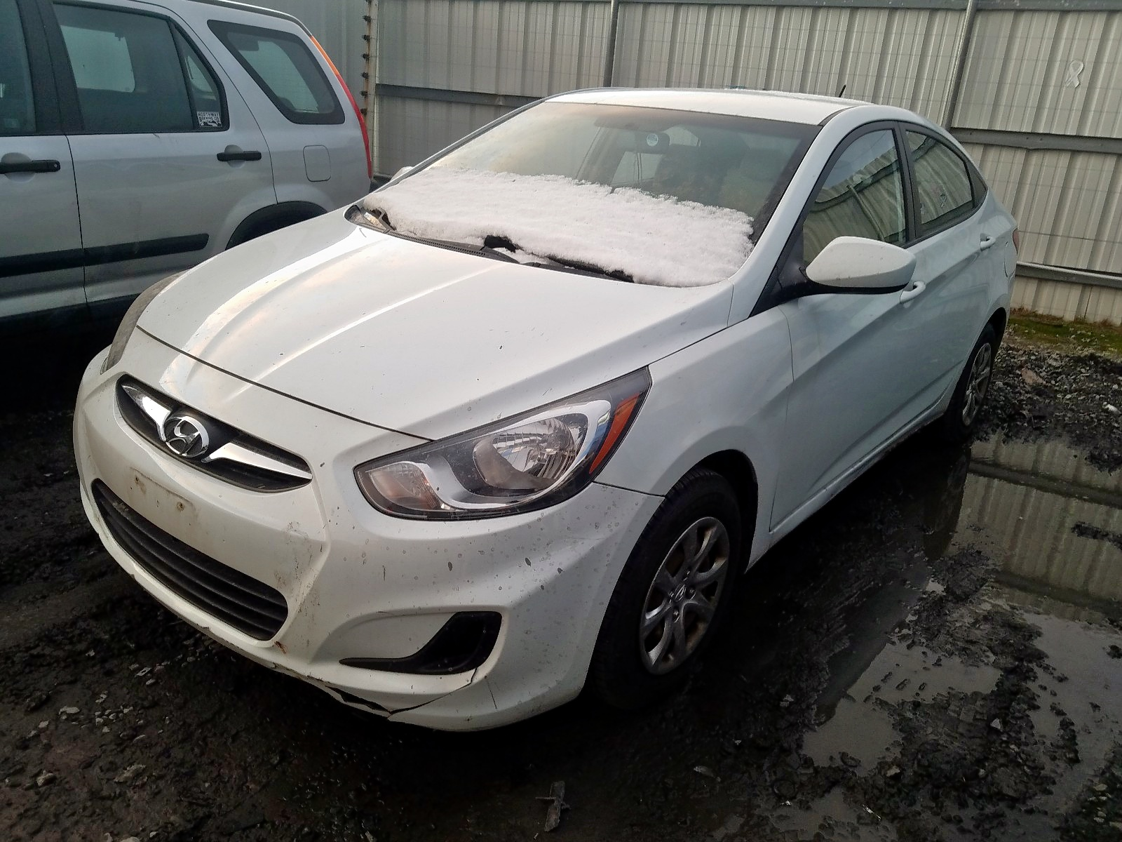 2012 Hyundai Accent Gls 1.6L Right View