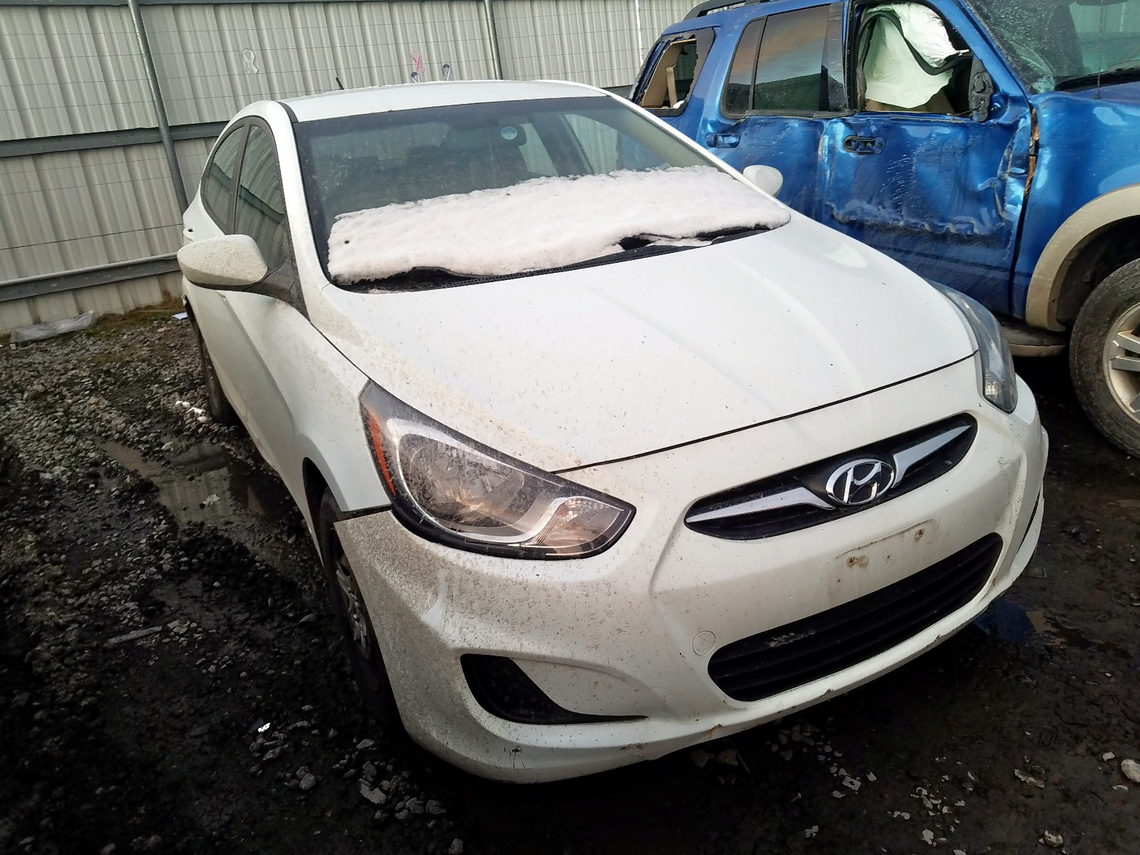 2012 Hyundai Accent Gls 1.6L Left View