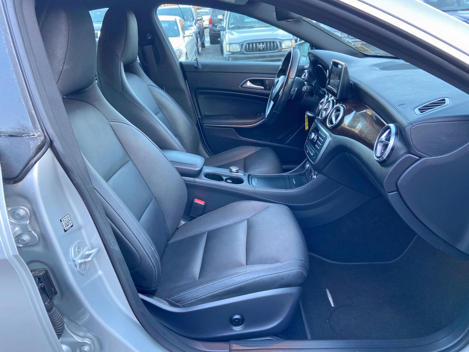 WDDSJ4EB9EN060365 - 2014 Mercedes-Benz Cla 250 2.0L close up View