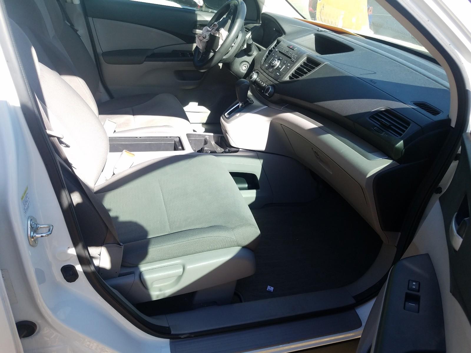 2013 Honda Cr-V Lx 2.4L close up View