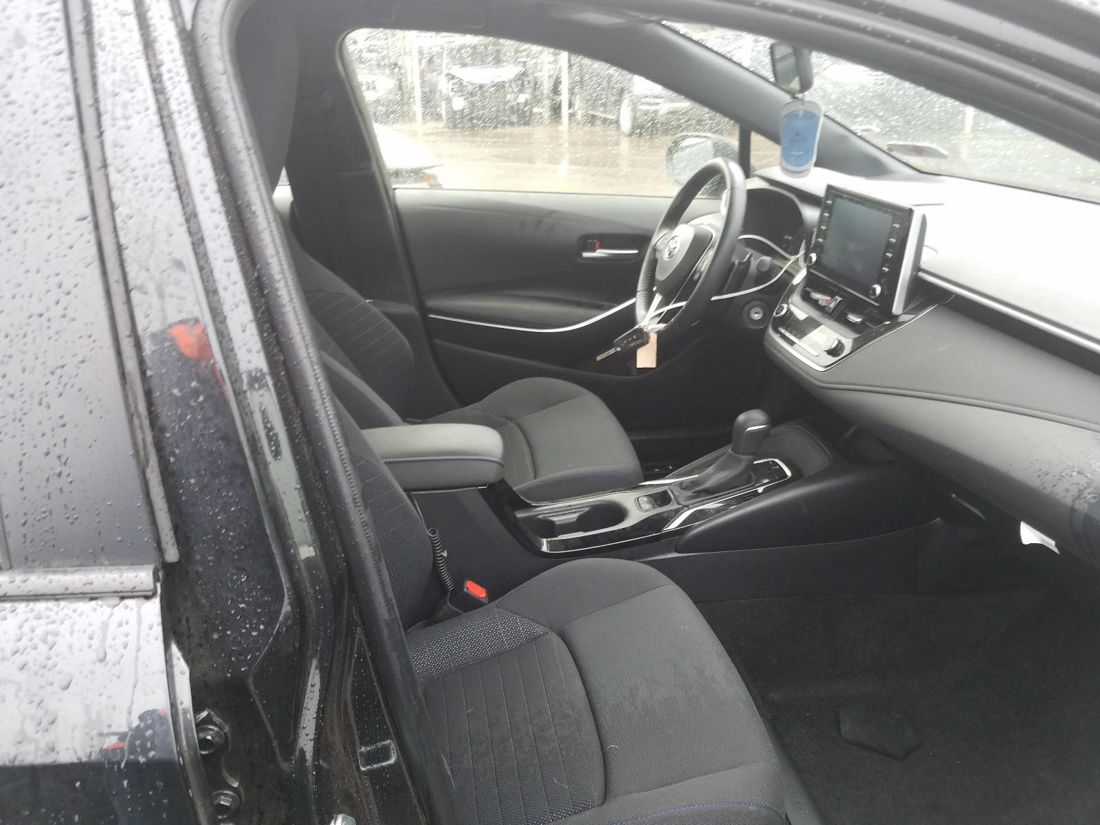 JTDS4RCE3LJ035185 - 2020 Toyota Corolla Se 2.0L close up View