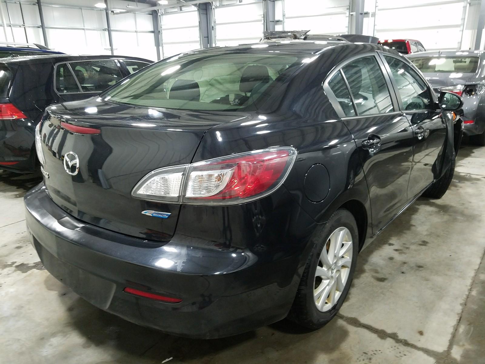 JM1BL1V75C1602466 - 2012 Mazda 3 I 2.0L rear view