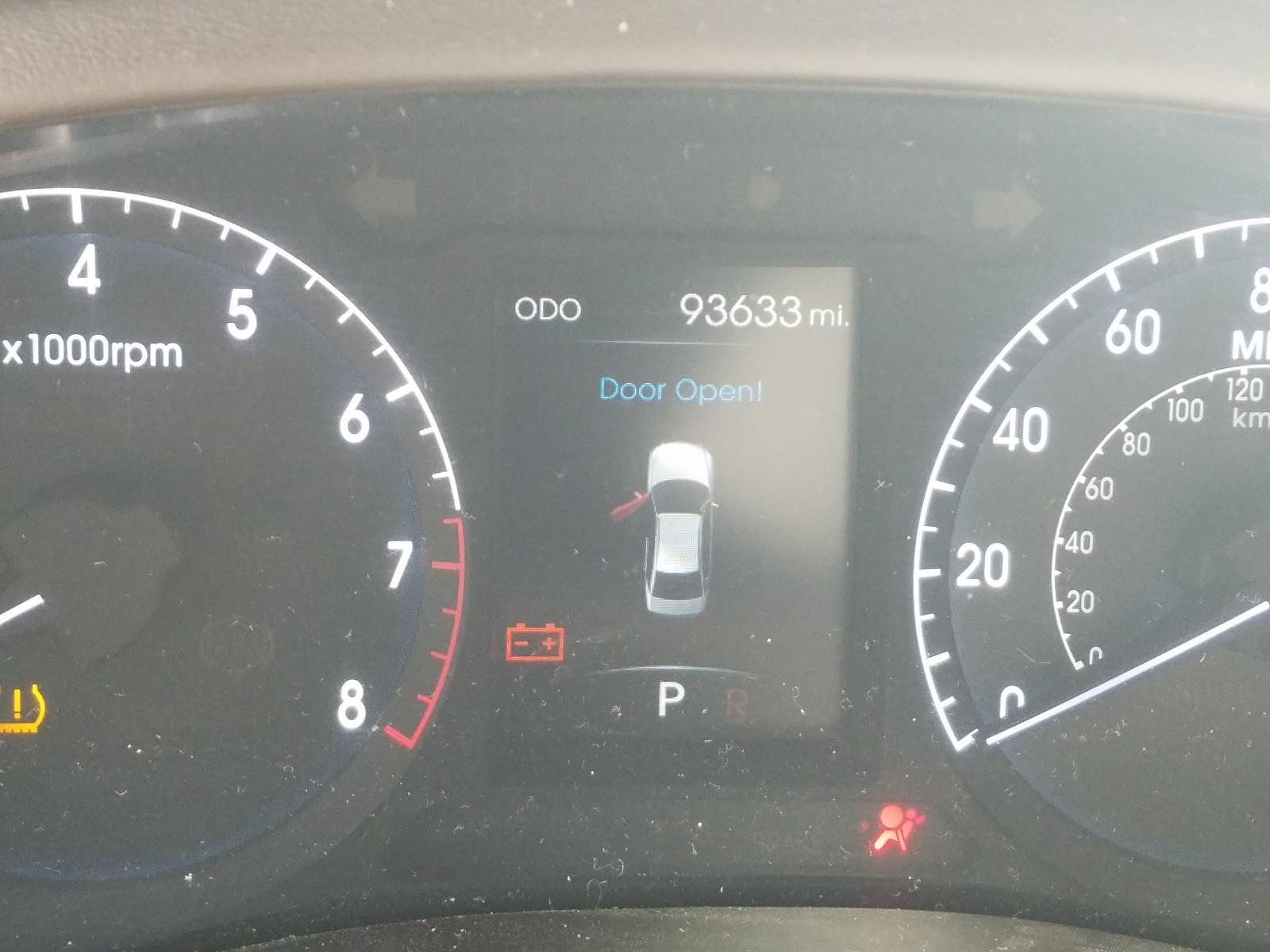 2012 Hyundai Genesis 4. 4.6L front view