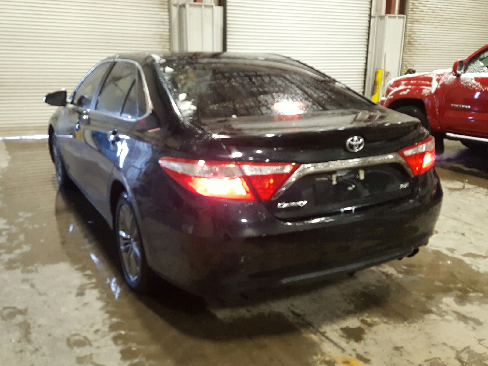 4T1BF1FK6GU520465 - 2016 Toyota Camry Le 2.5L [Angle] View