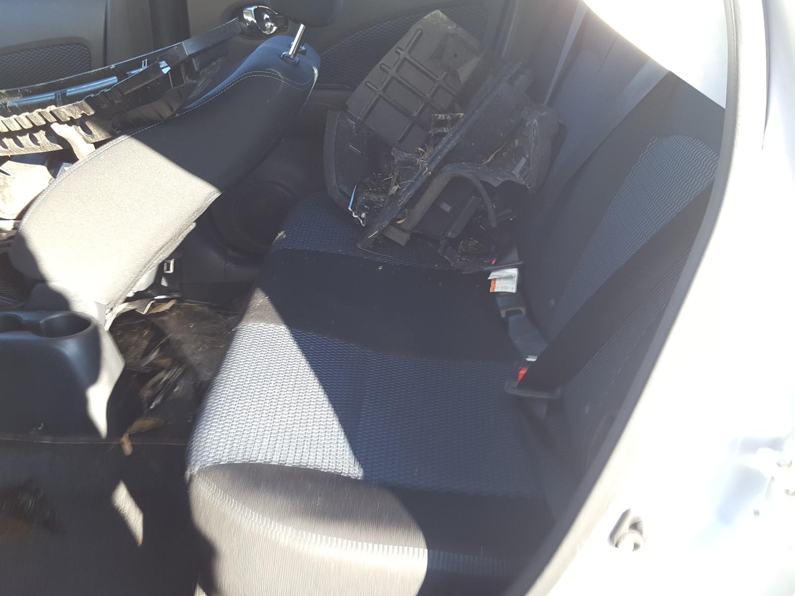3N1CE2CP3KL358768 - 2019 Nissan Versa Note 1.6L detail view