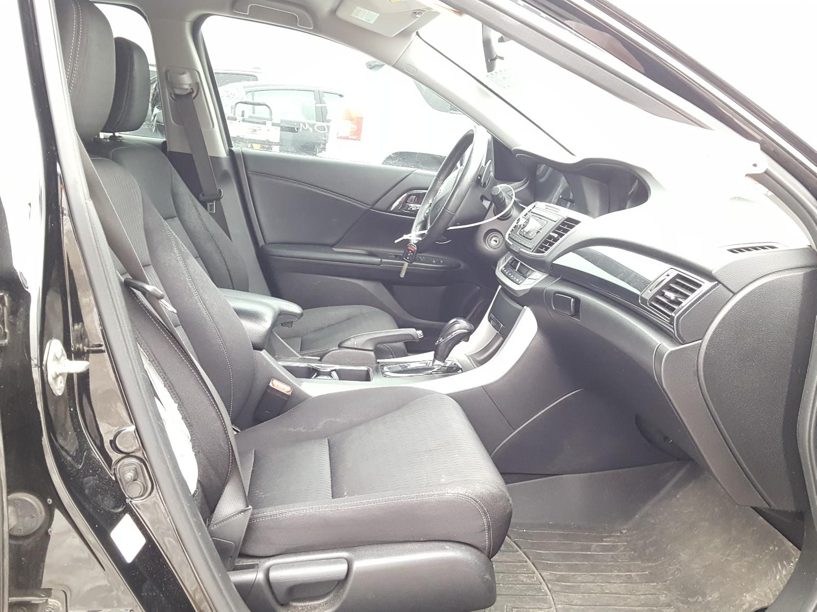 1HGCR2F5XEA126161 - 2014 Honda Accord Spo 2.4L close up View