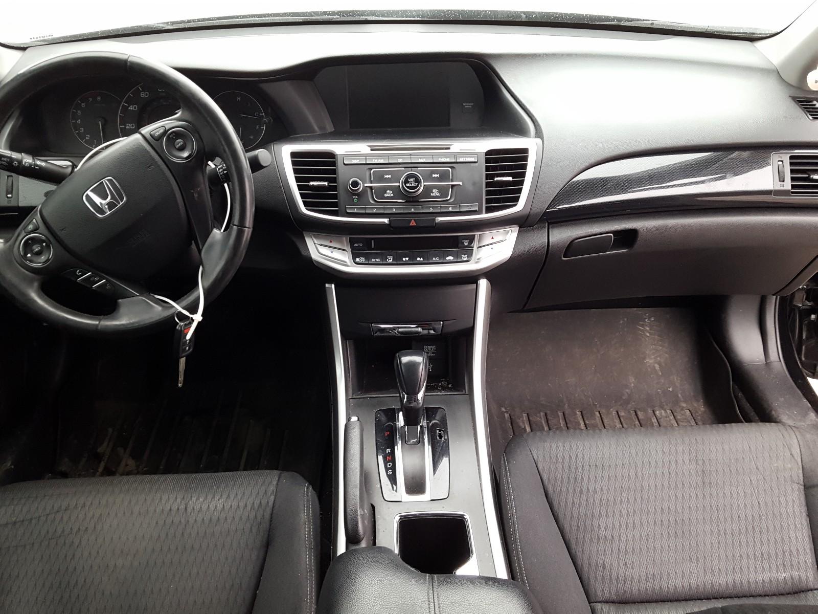 1HGCR2F5XEA126161 - 2014 Honda Accord Spo 2.4L engine view